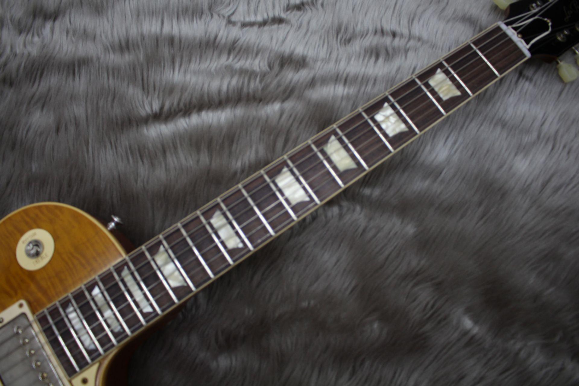 Gibson Custom Shop 1959 Les Paul Standard VOSの全体画像(縦)