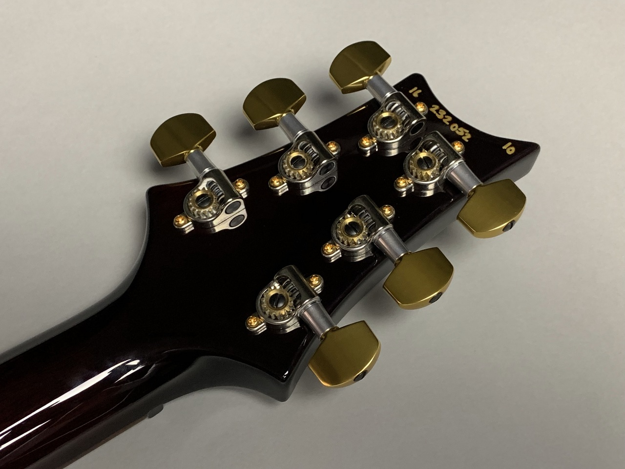 CUSTOM 24 /10Top/2016 LTD (Black Gold Burst)のケース・その他画像
