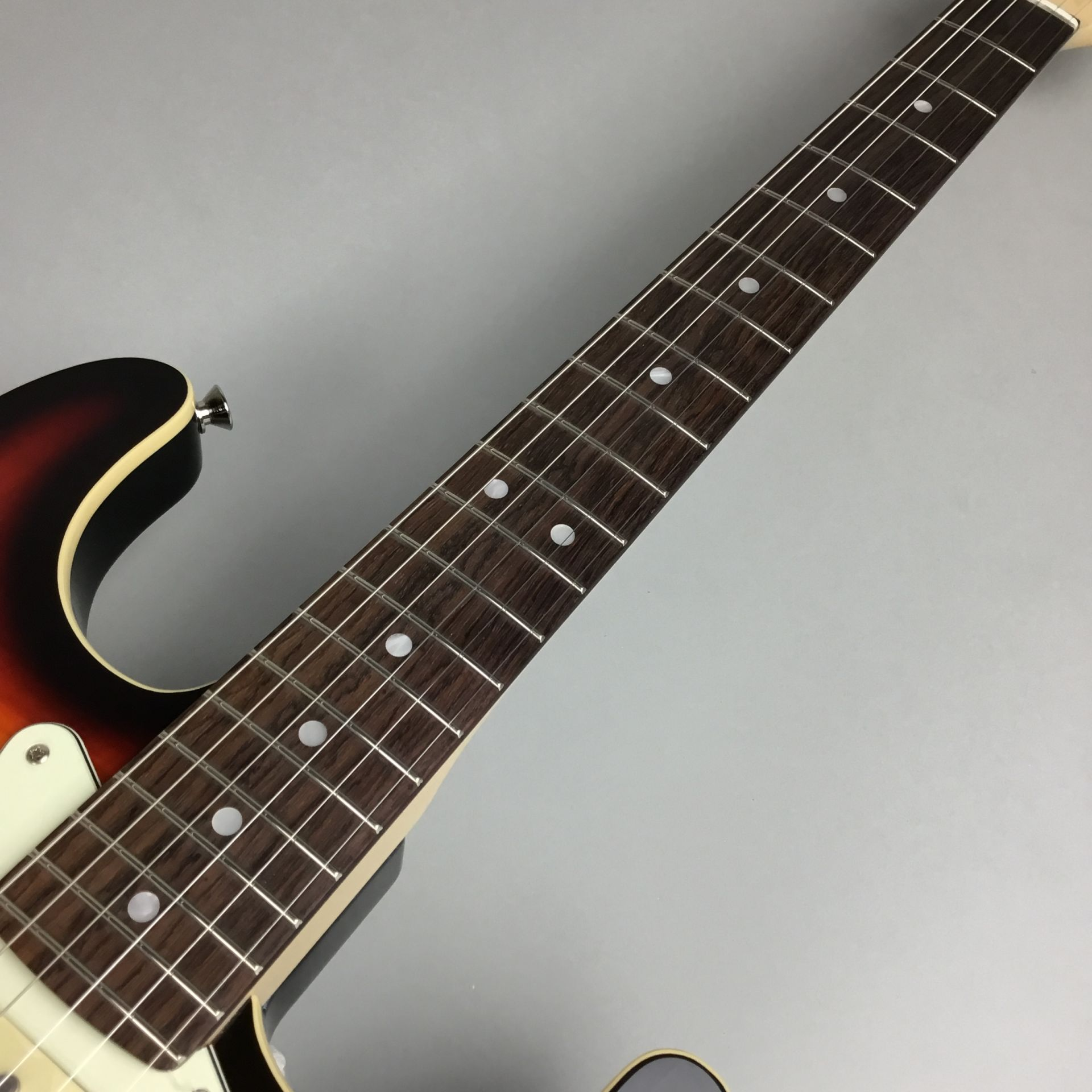 LIMITED EDITION AERODYNE CLASSIC STRATOCASTER® FLAME MAPLE TOPのボディバック-アップ画像