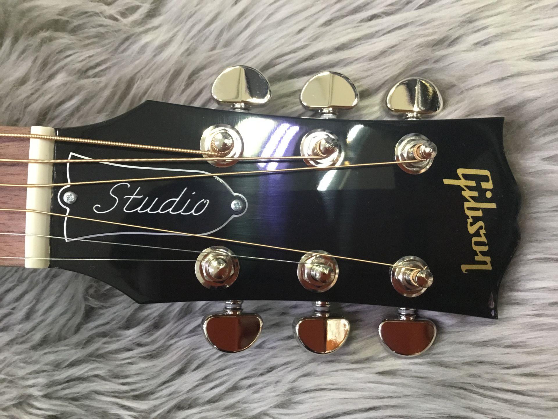 J−45 Studioのヘッド画像
