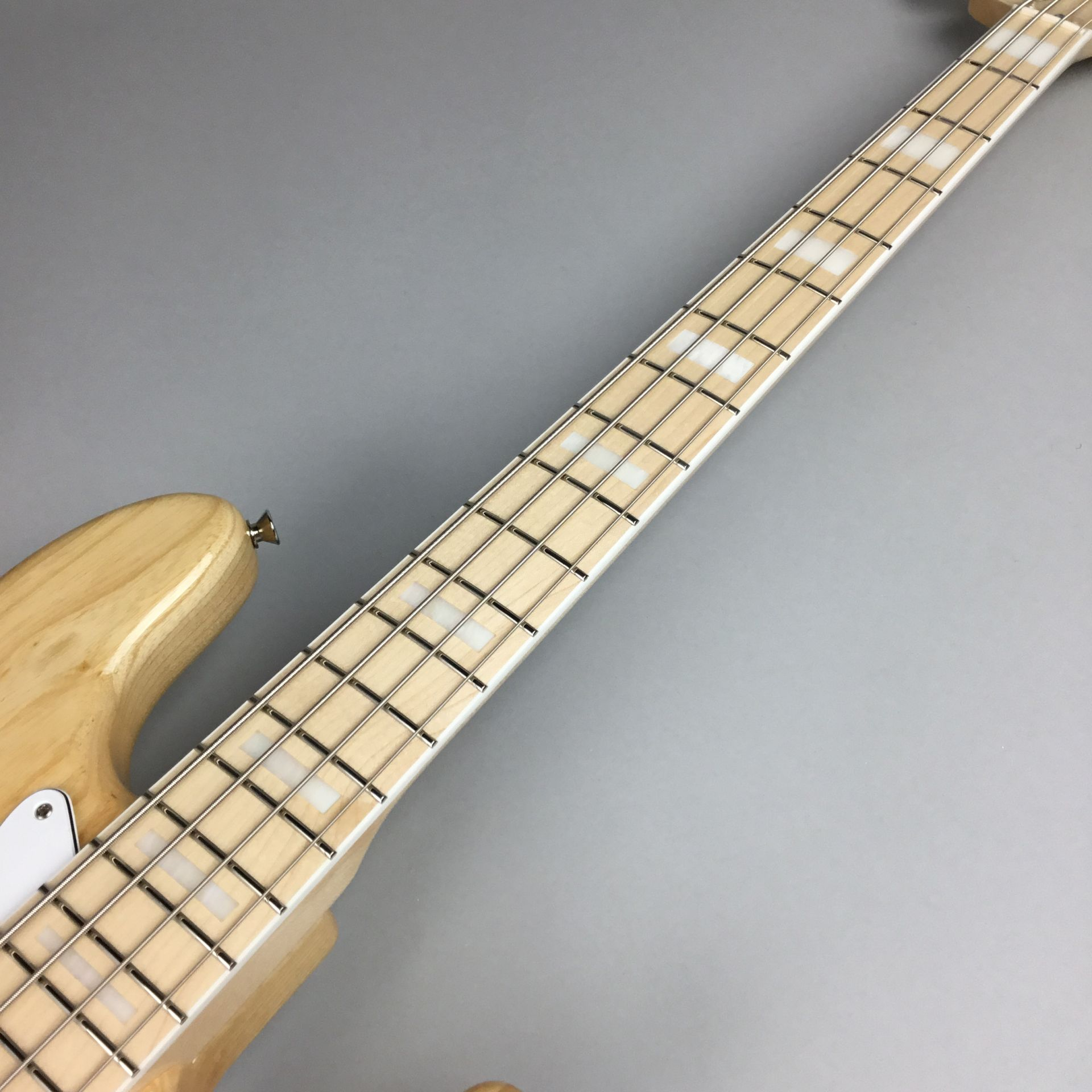 MADE IN JAPAN TRADITIONAL 70S JAZZ BASS®のボディバック-アップ画像