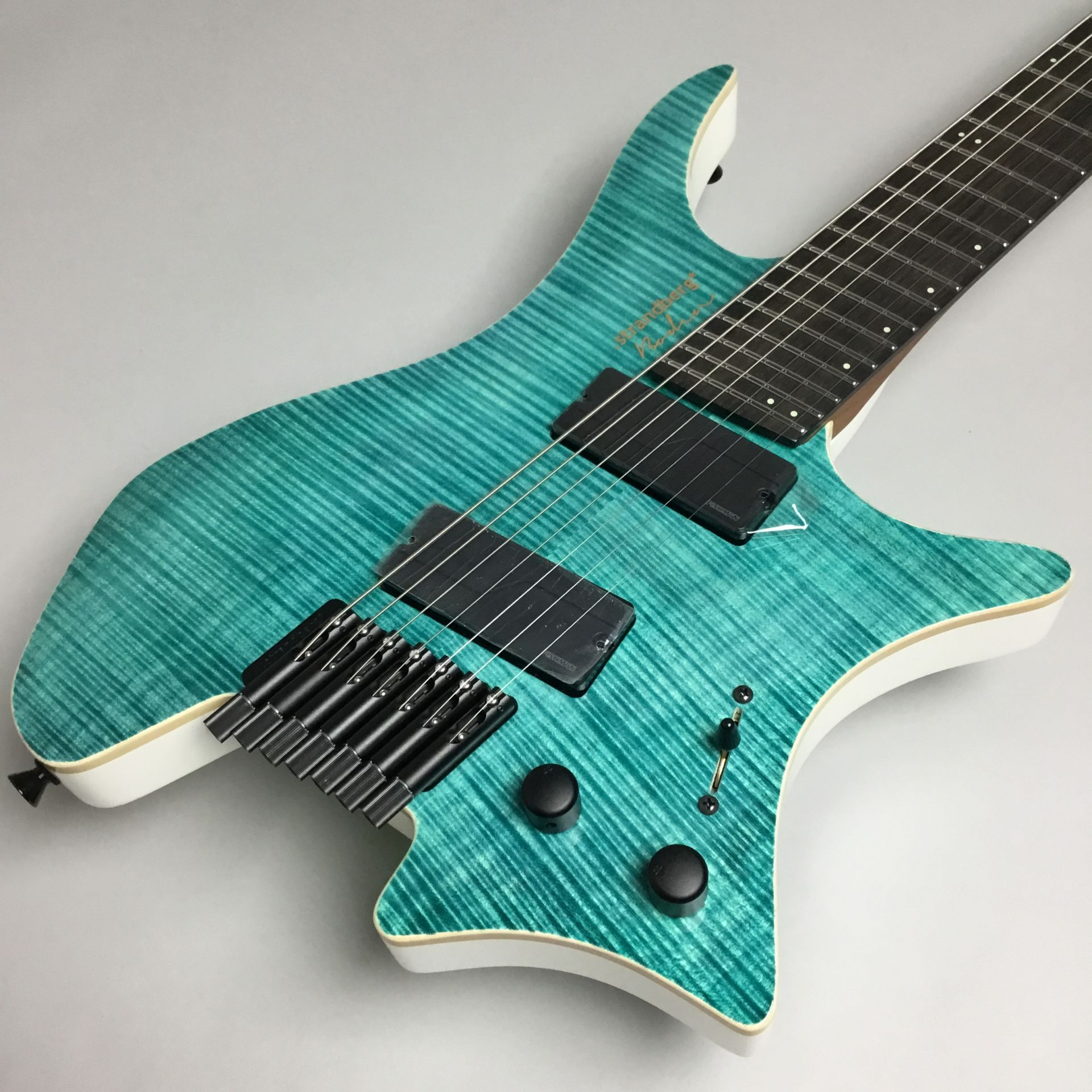 Boden J7 Standard 5A Flame Maple Gloss EB/RMのボディトップ-アップ画像