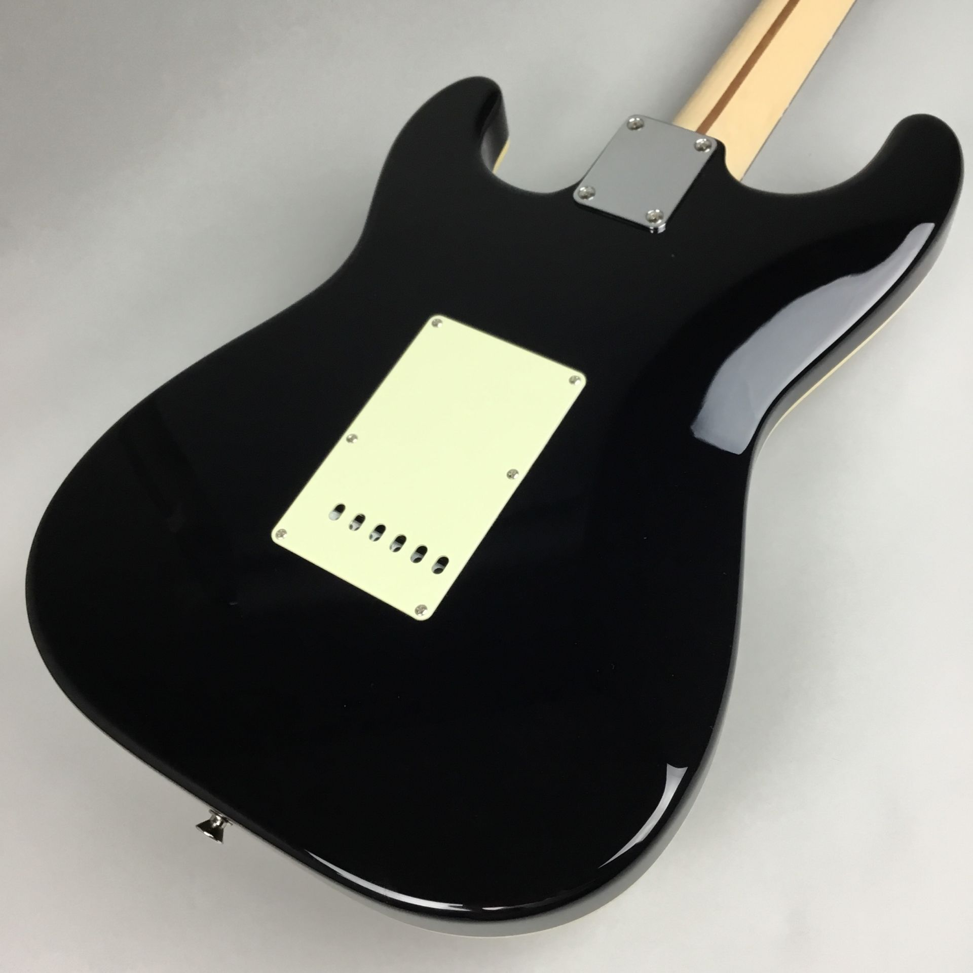 LIMITED EDITION AERODYNE CLASSIC STRATOCASTER® FLAME MAPLE TOPのヘッド裏-アップ画像