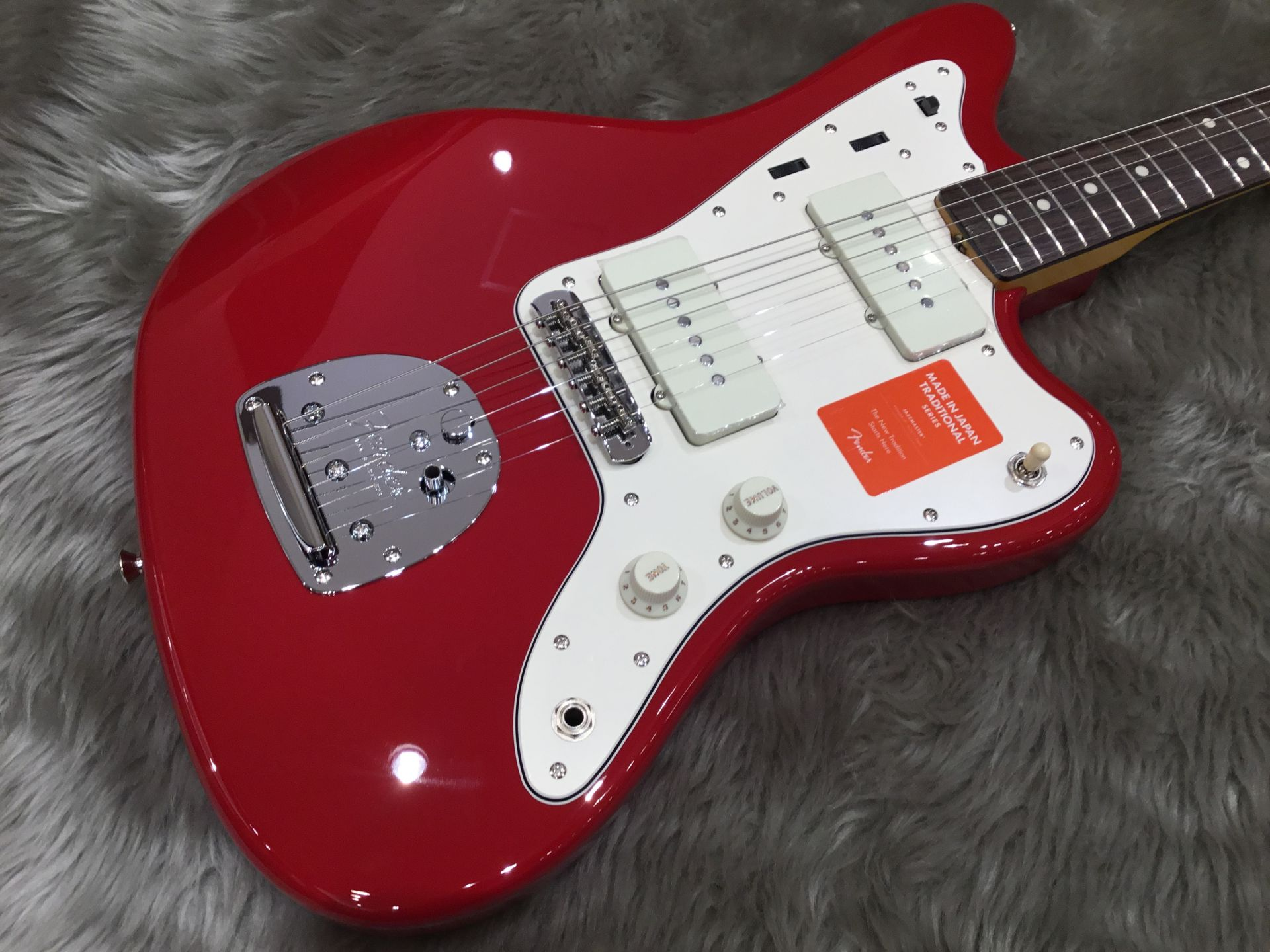 Maide In Japan TRADITIONAL 60S JAZZMASTERのボディトップ-アップ画像