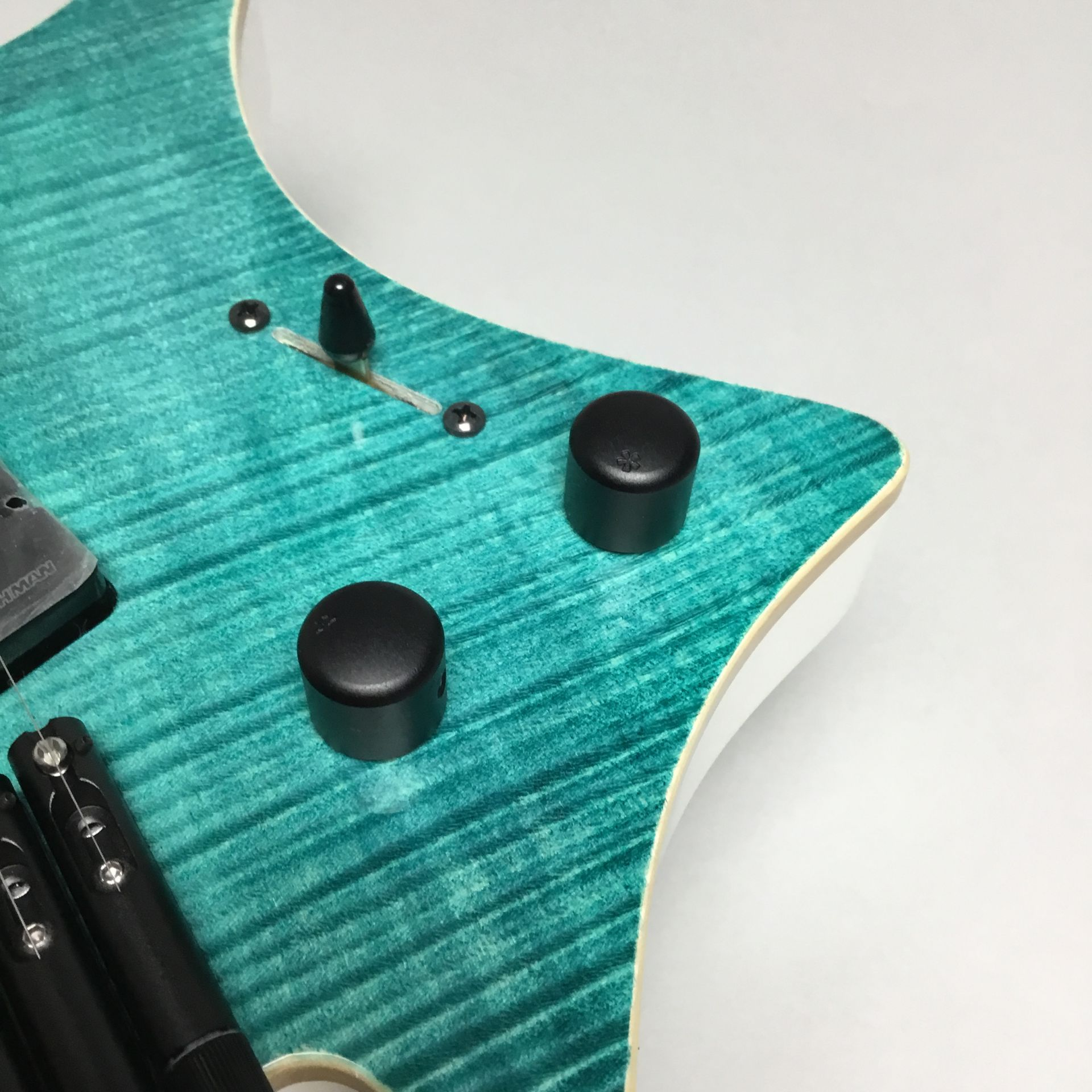 Boden J7 Standard 5A Flame Maple Gloss EB/RMのケース・その他画像