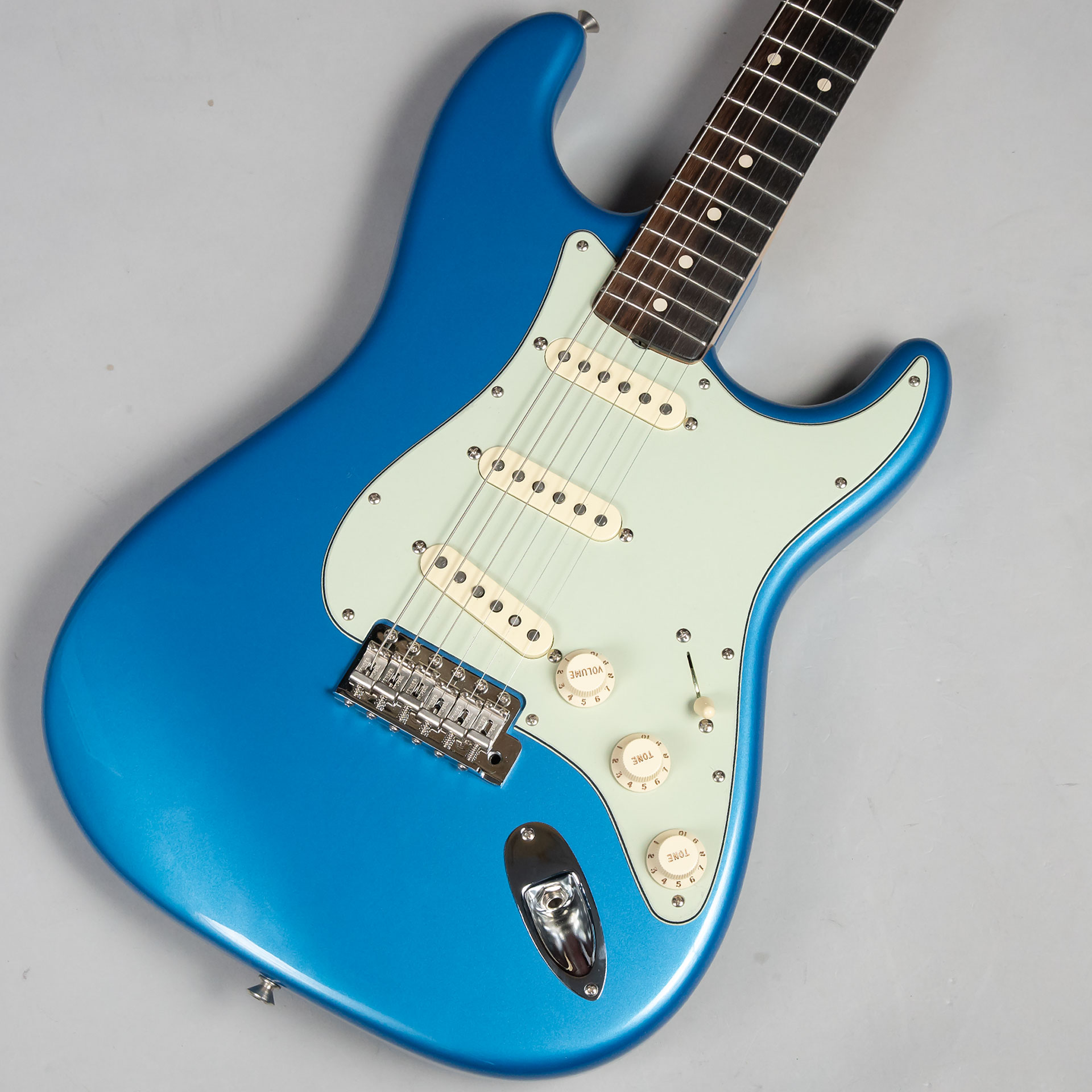 1960 Stratocaster NOS Lake Placid Blueのボディトップ-アップ画像