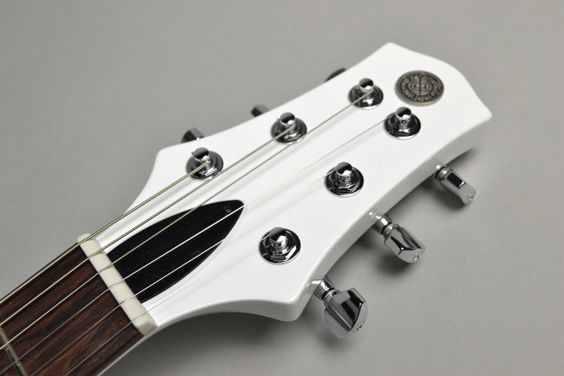 "Kz One Solid 3S23 Kahler Gloss White ""Standard Line""島村楽器限定モデルのヘッド裏-アップ画像"
