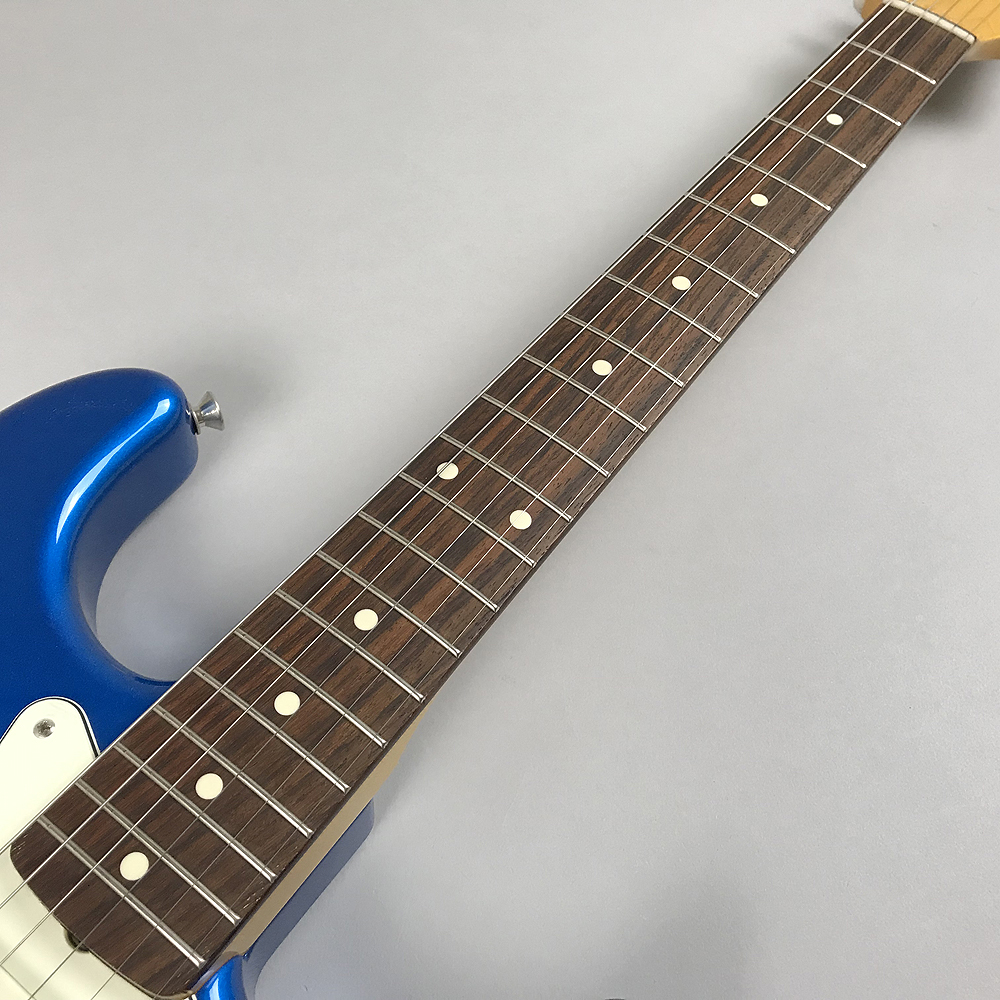 TRADITIONAL 60S STRATOCASTER®の全体画像(縦)