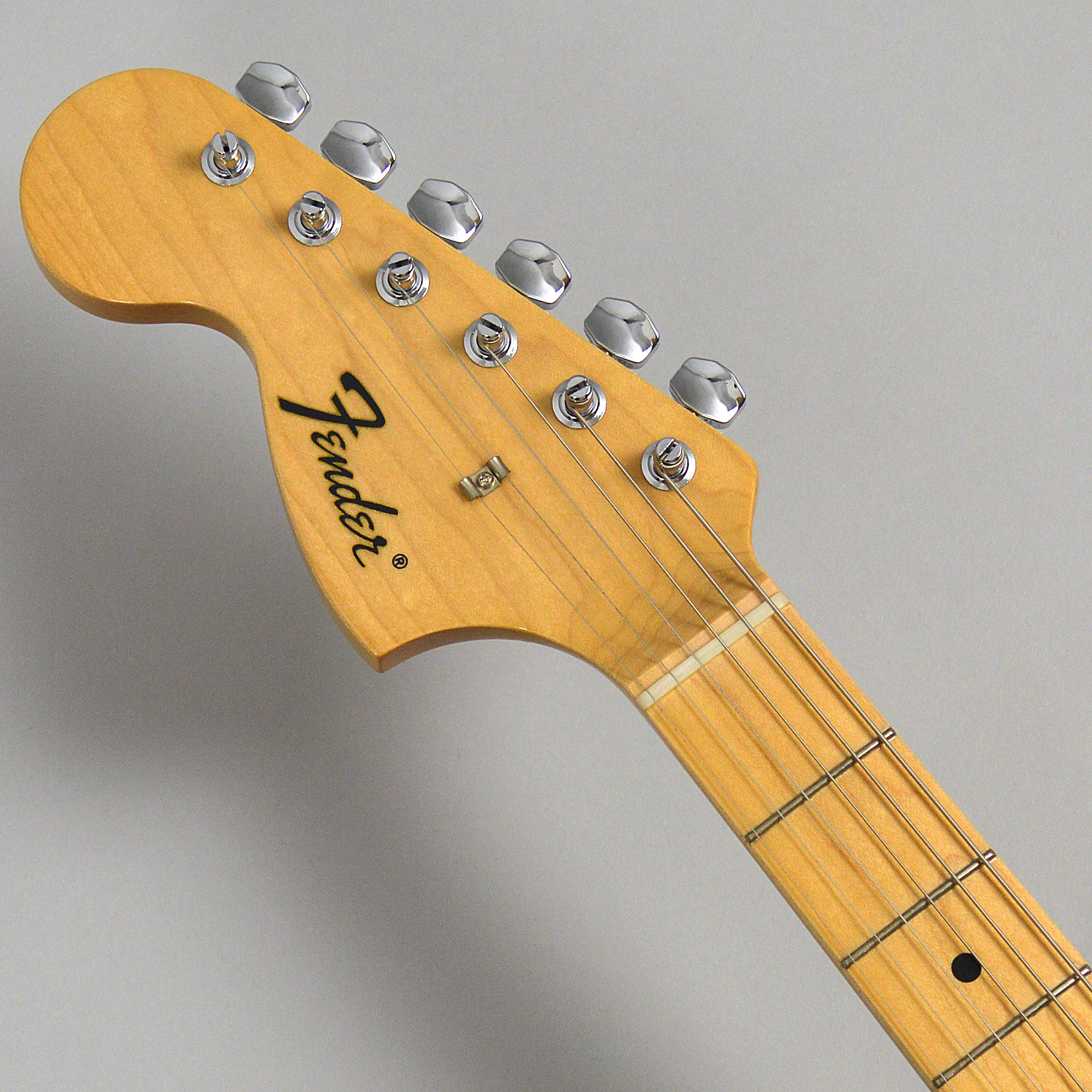 Made in Japan Traditional 68s Stratocaster Left-Handのヘッド画像