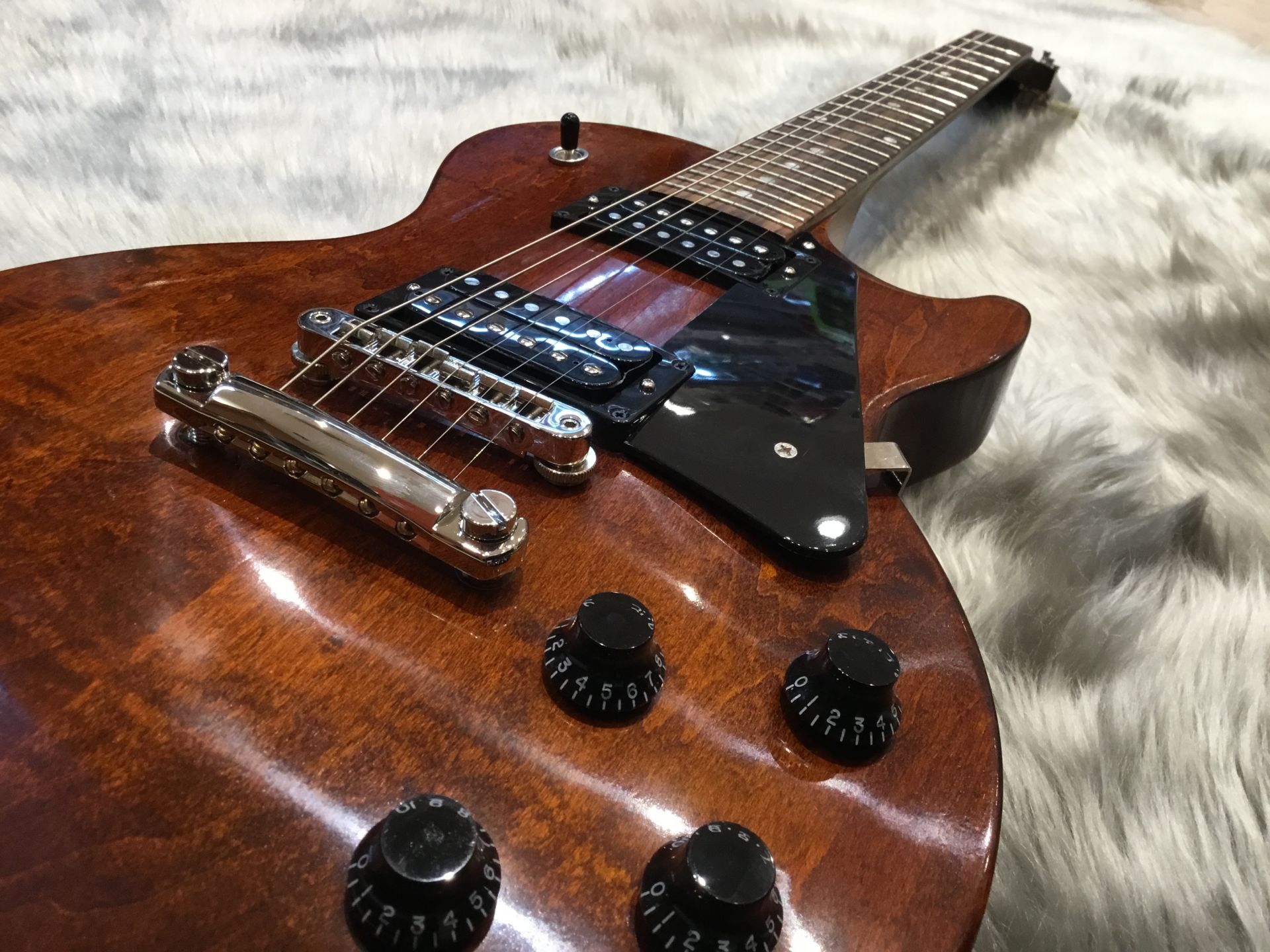 LP Faded 2018 – Gibson (Guitar)のボディトップ-アップ画像