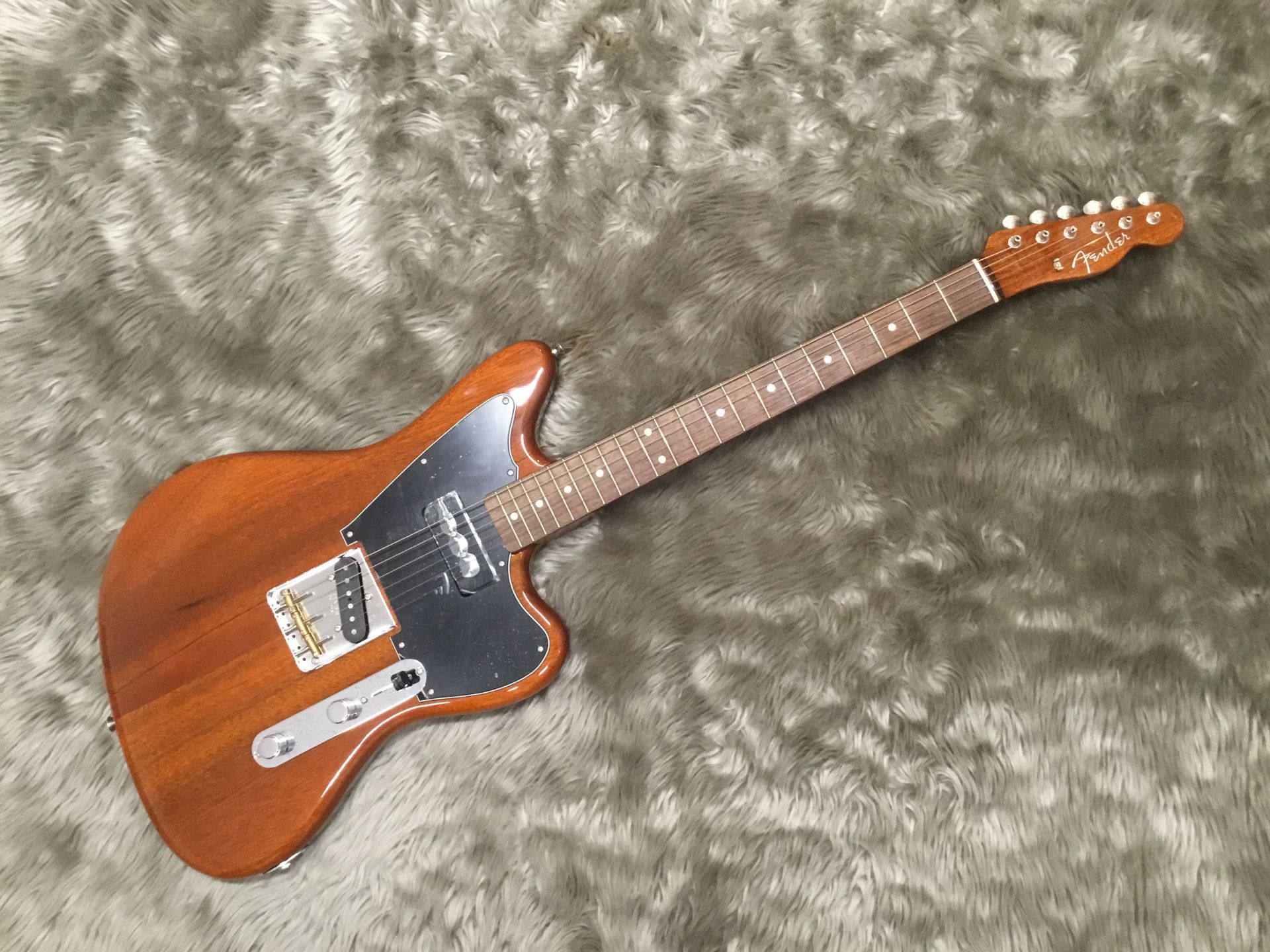 Fender  Mahogany Offset TL 写真画像