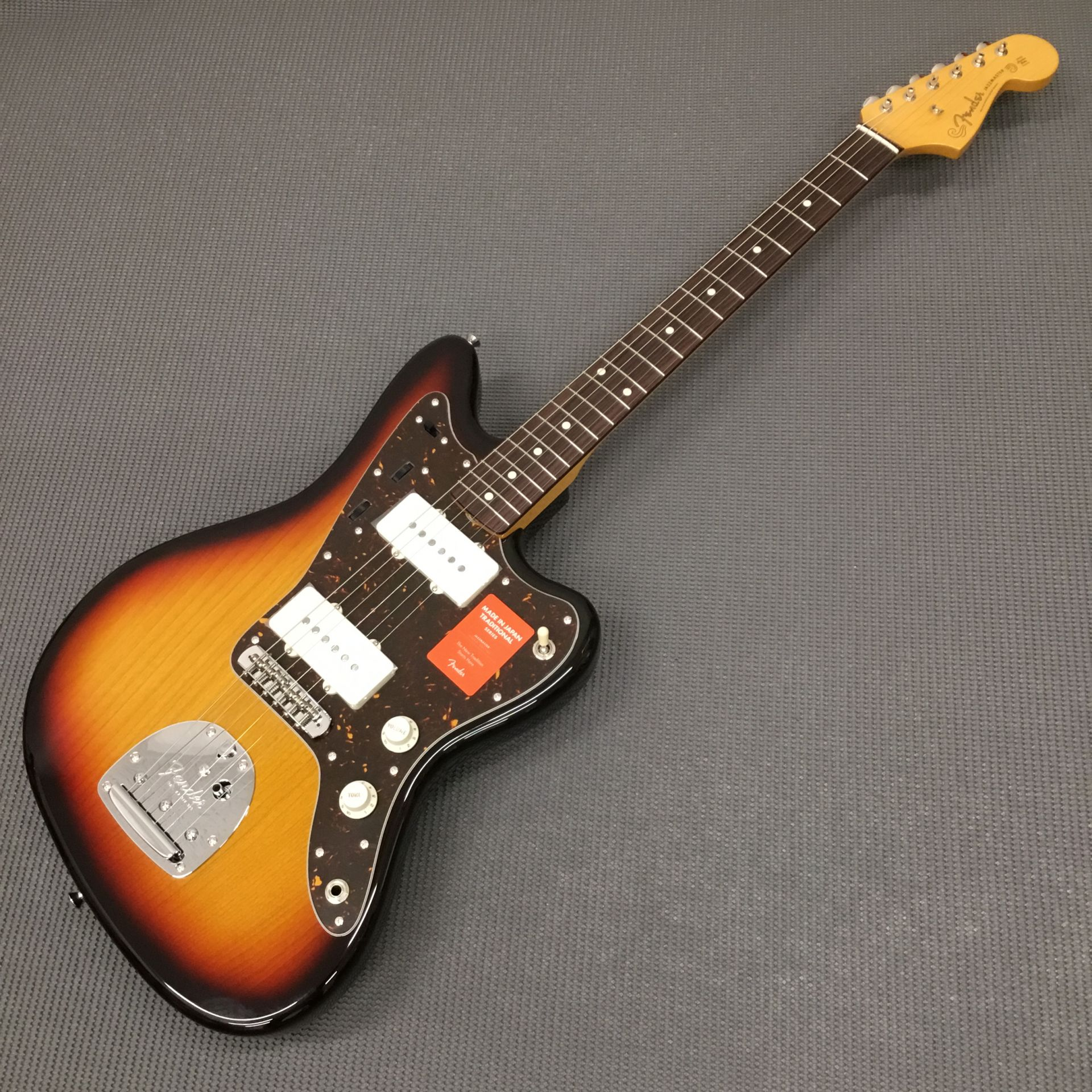 MADE IN JAPAN TRADITIONAL 60S JAZZMASTERのボディトップ-アップ画像