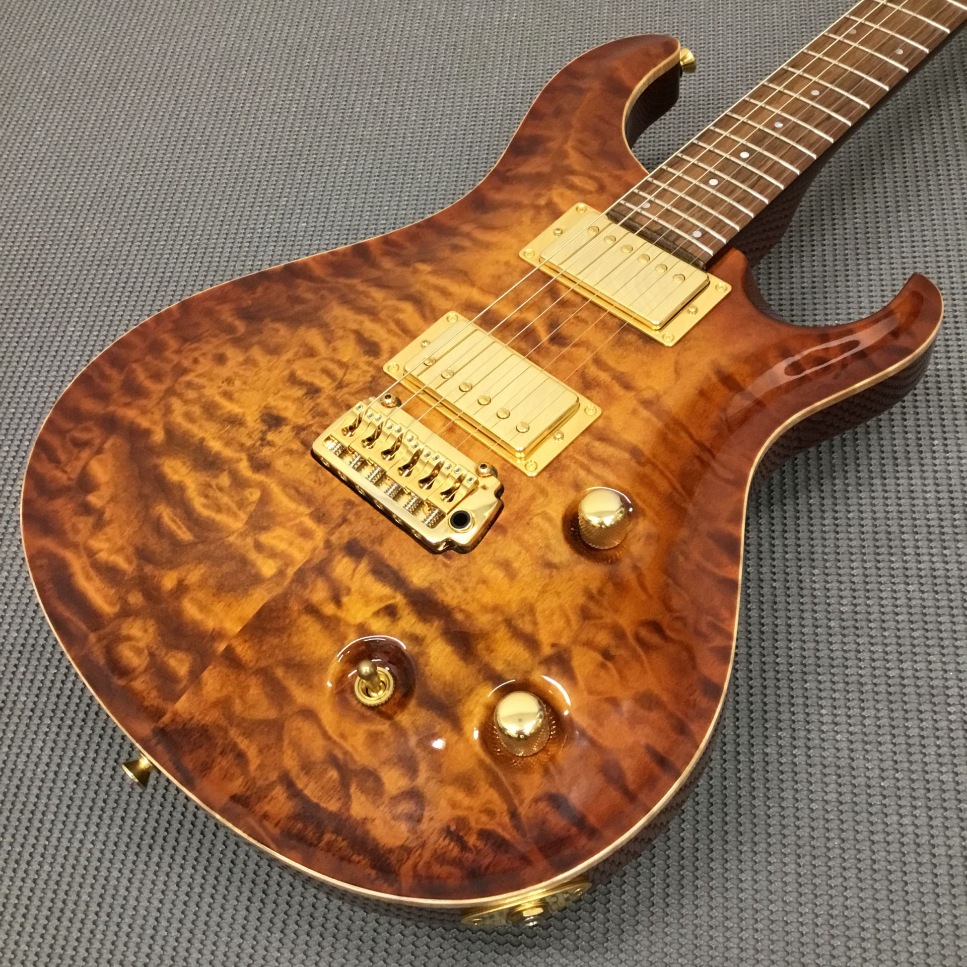 PR-B Resonate Custom SG143#001/AB