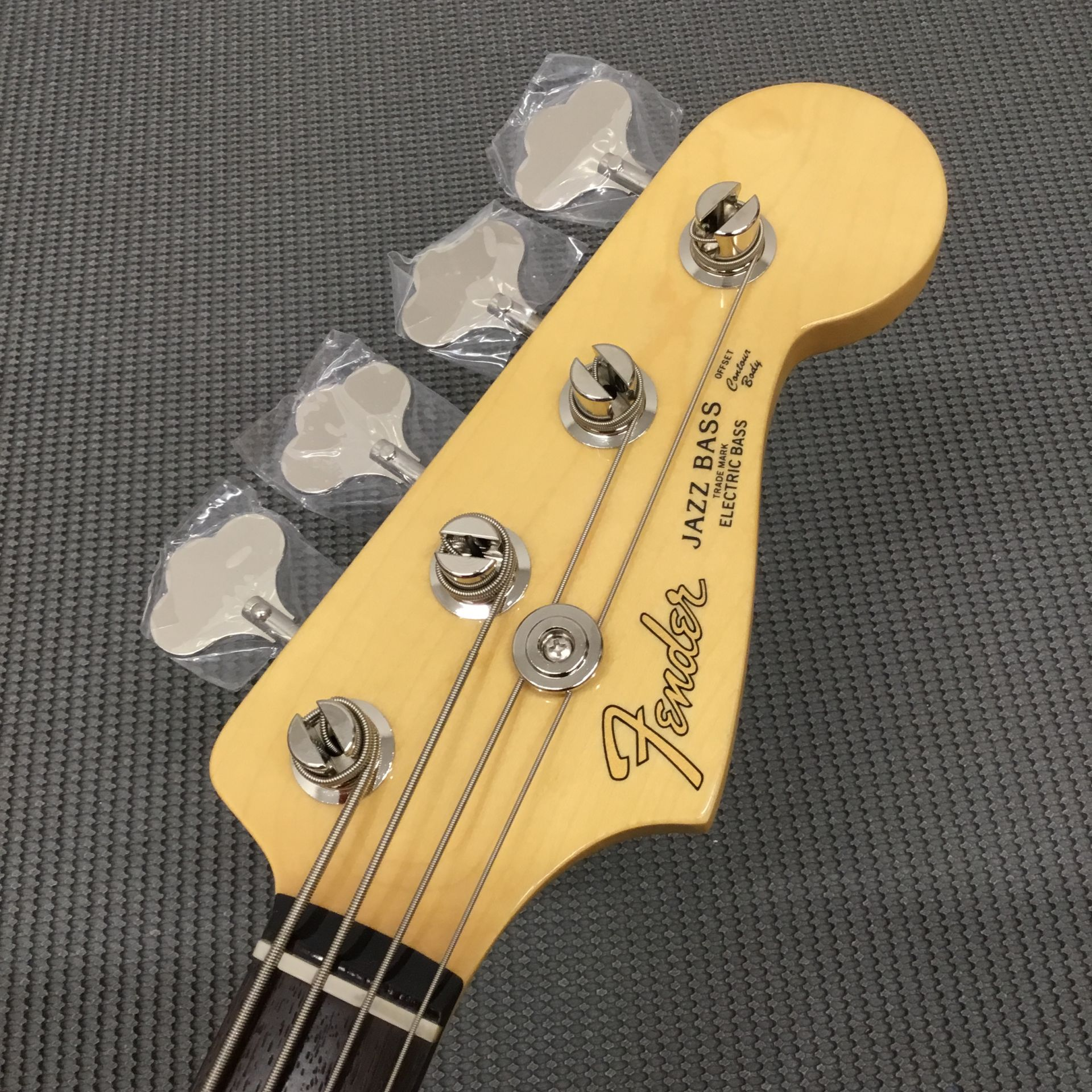 MADE IN JAPAN HYBRID 60S JAZZ BASSのヘッド画像