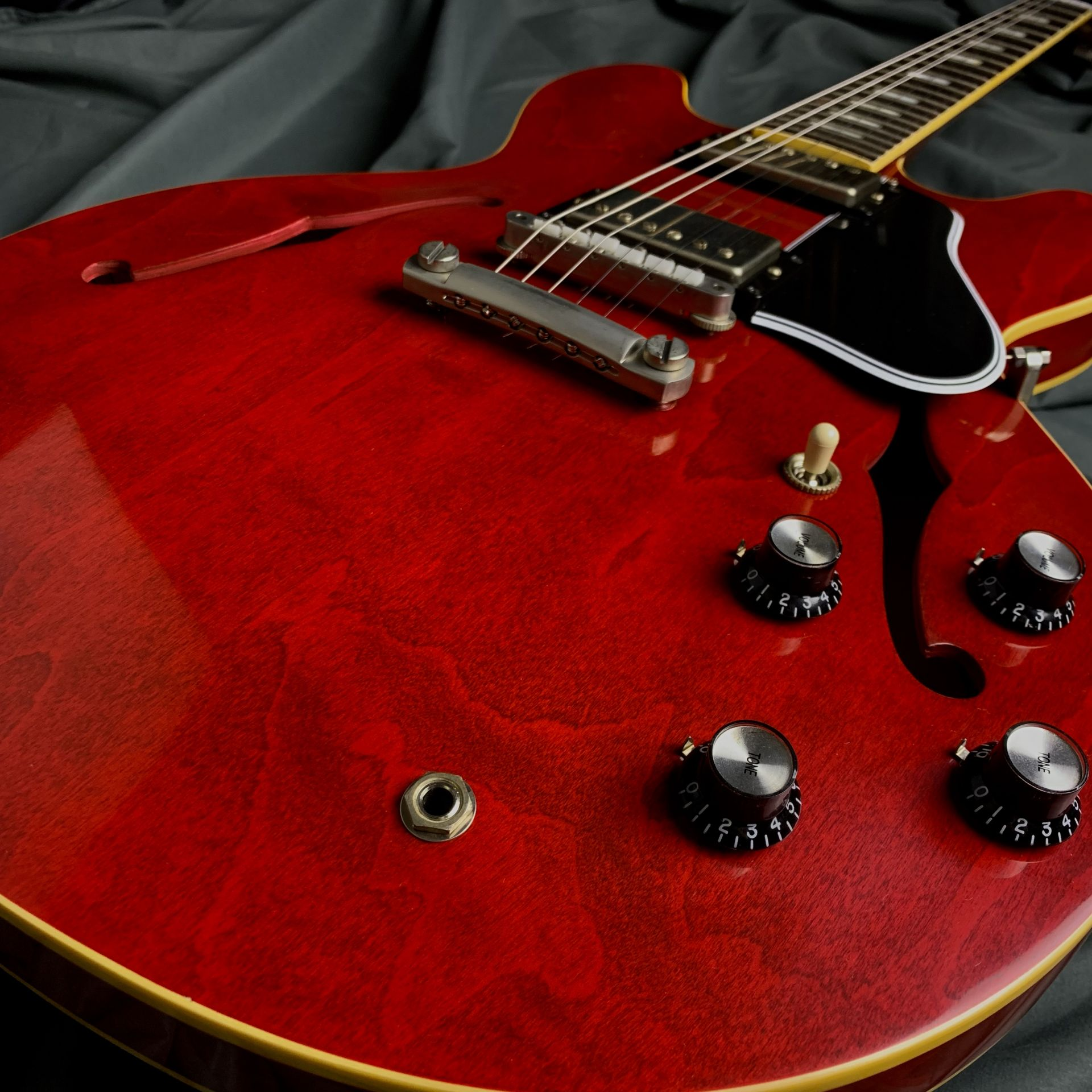 Limited Run 1963 ES-335 TDC VOS Sixties Cherryのケース・その他画像