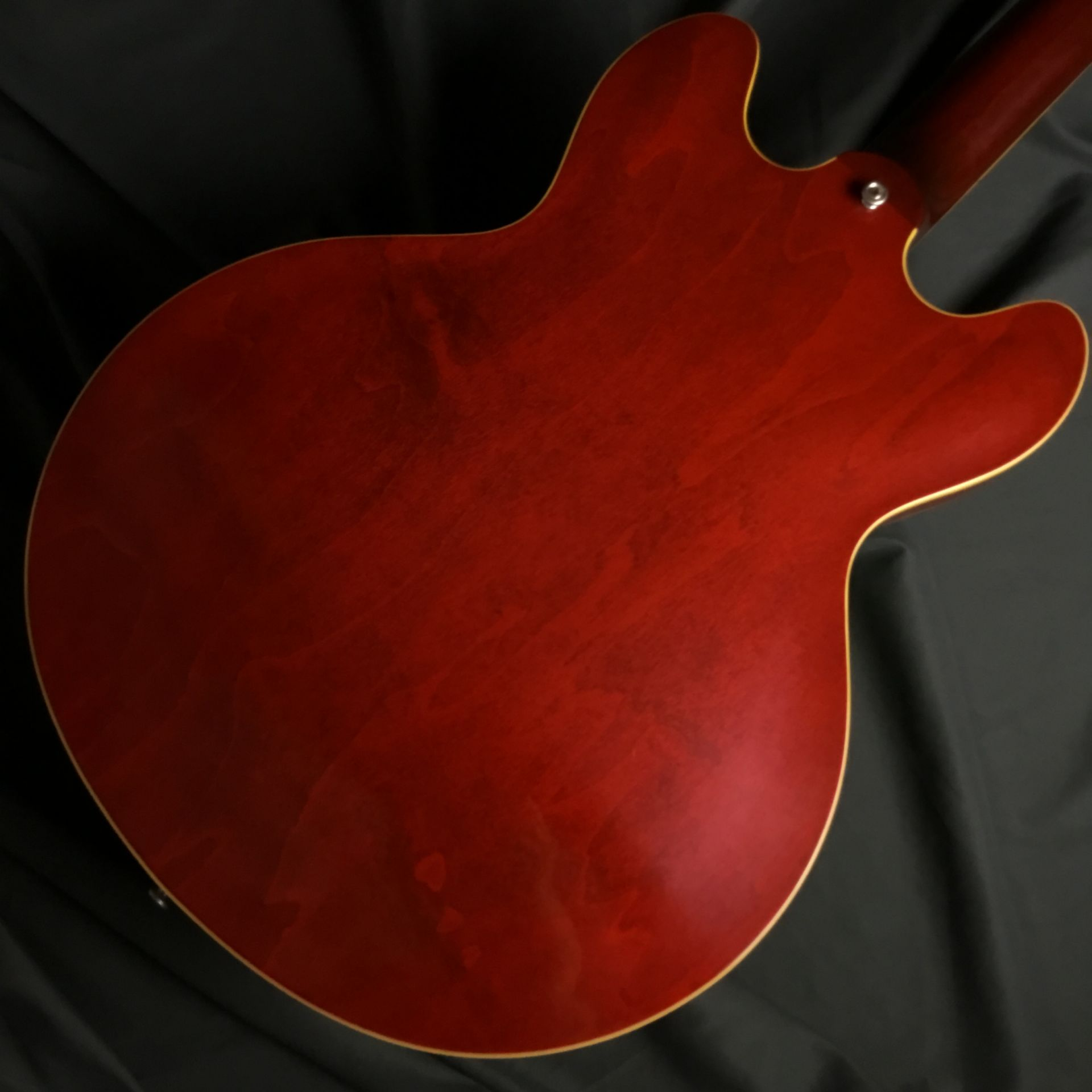 Limited Run 1963 ES-335 TDC VOS Sixties Cherryのヘッド裏-アップ画像
