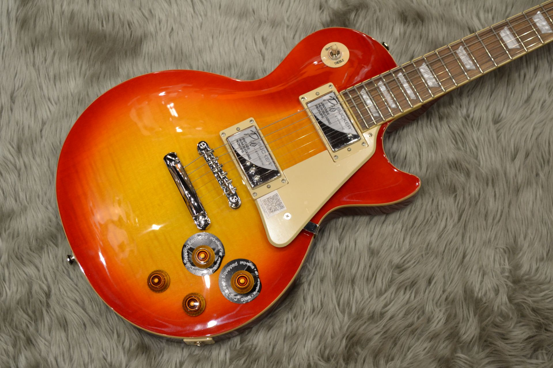 Les Paul STANDARD PLUS-TOP PRO (Probuckers&Coil-Tap)のボディトップ-アップ画像