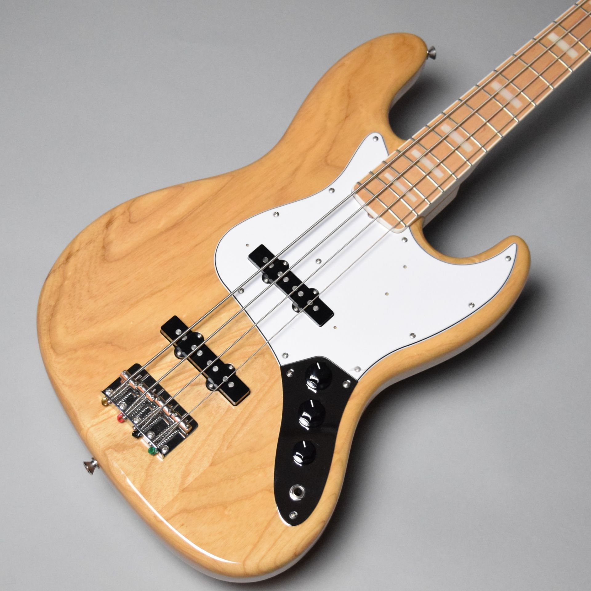 Japan Exclusive Classic 70s Jazz Bass Nat/M