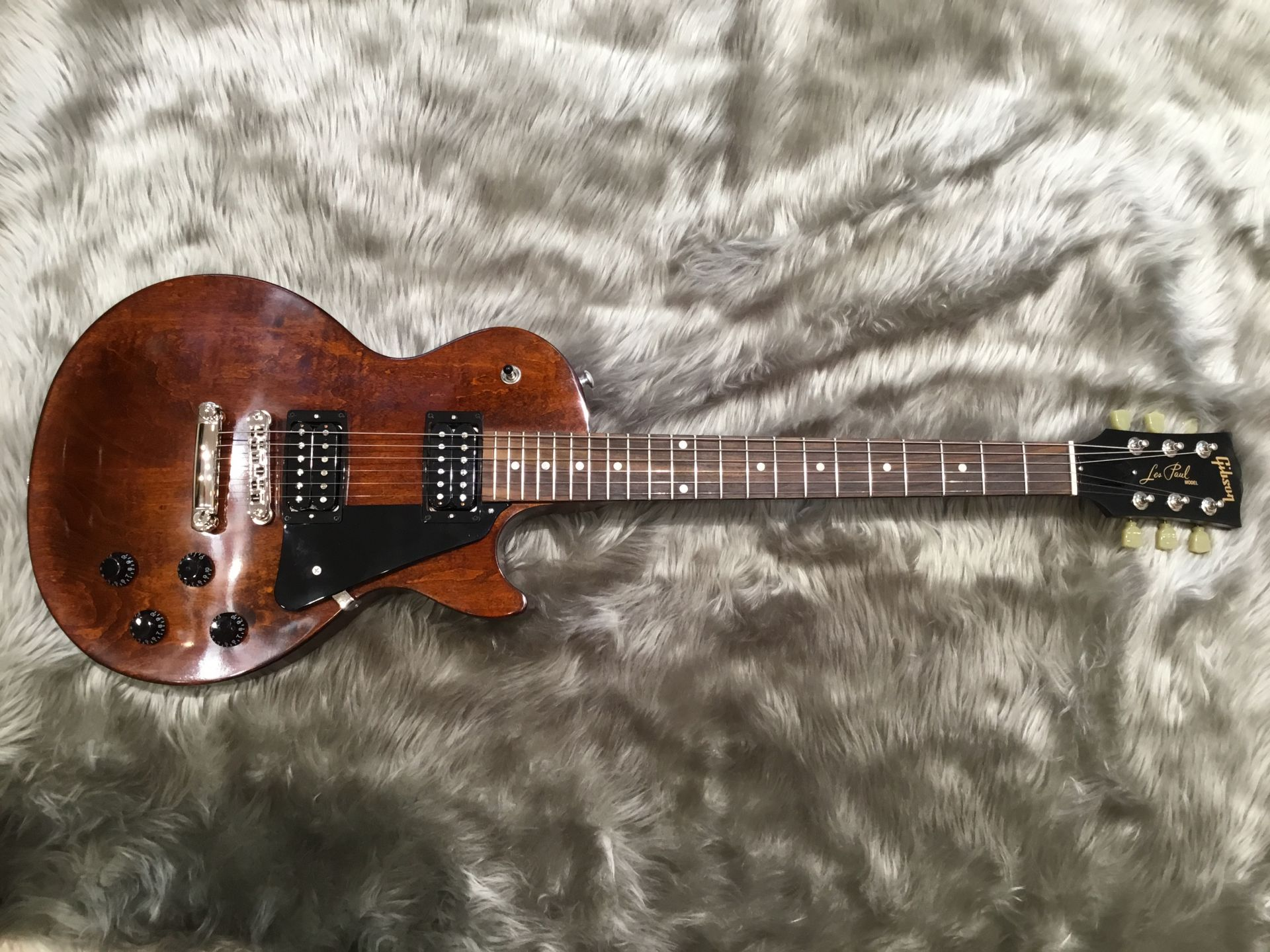 LP Faded 2018 – Gibson (Guitar)の全体画像(縦)