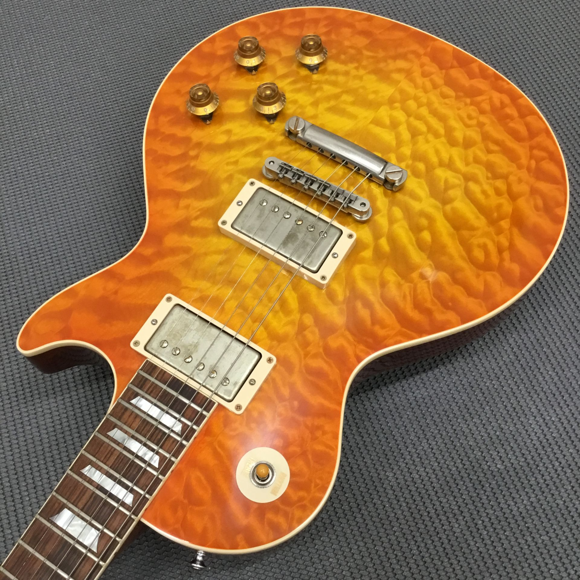 Standard Historic 1959 Les Paul 3AQ M2Mのケース・その他画像