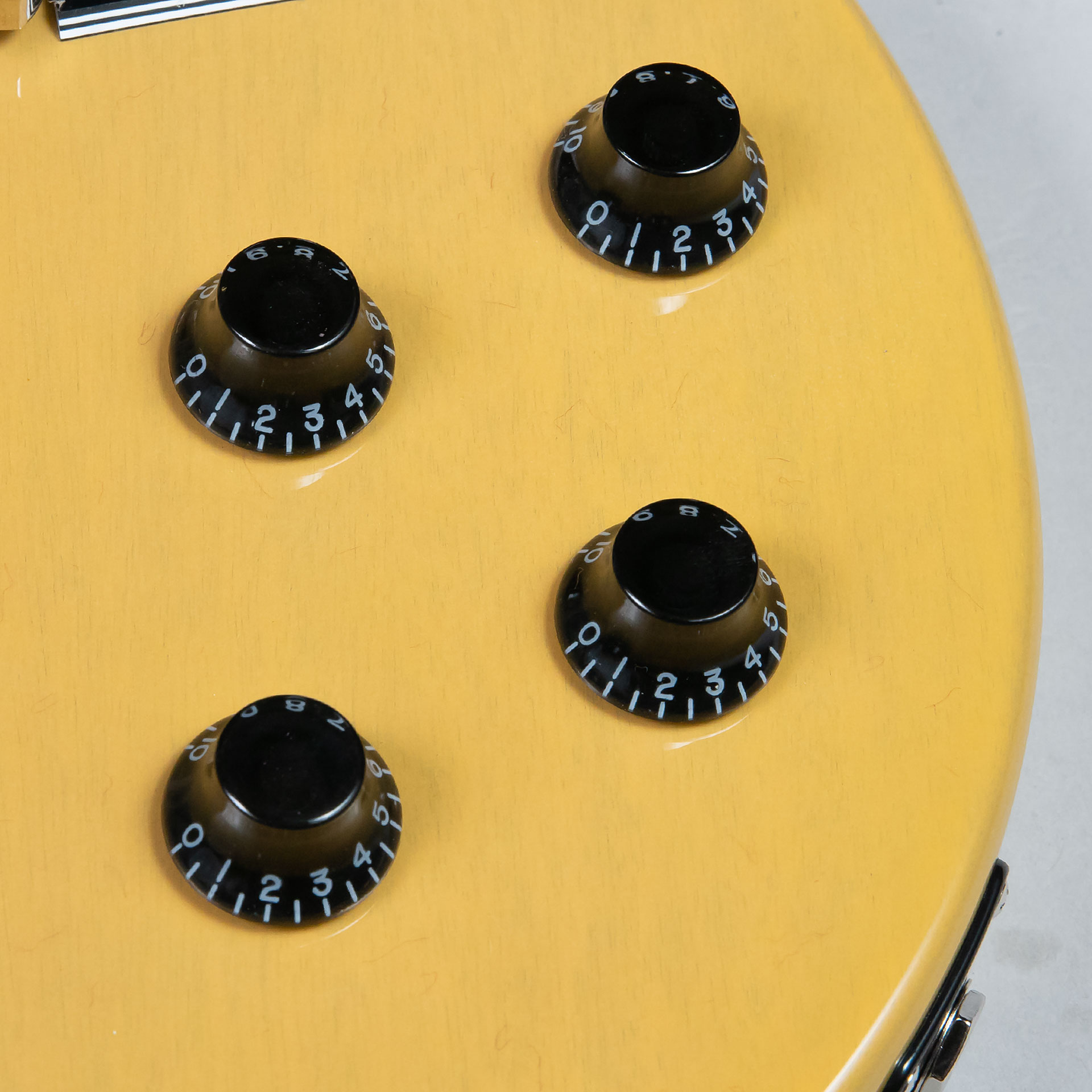 Les Paul Special TV Yellowの全体画像(縦)