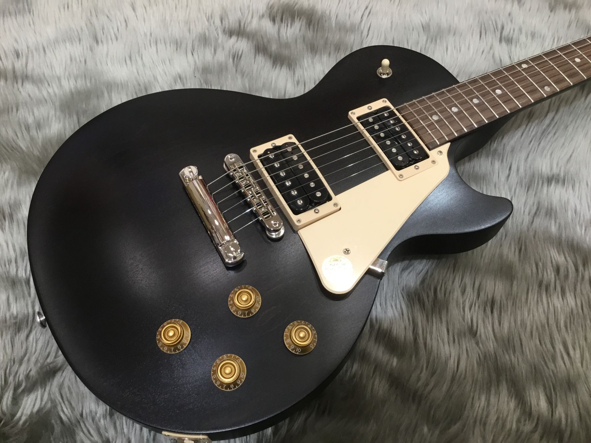 Gibson LP Faded Tributeのボディトップ-アップ画像