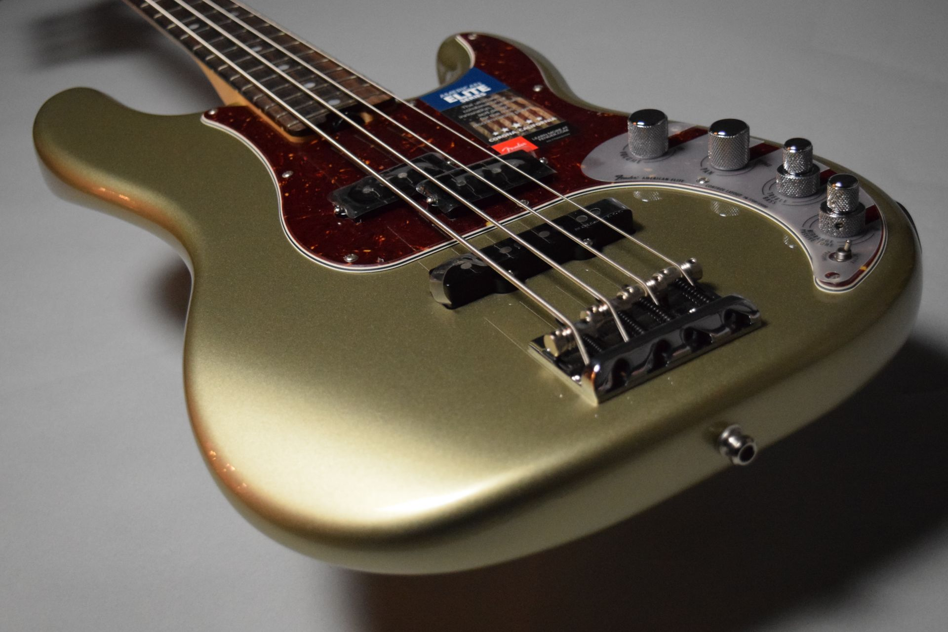 AMERICAN ELITE PRECISION BASSのヘッド画像