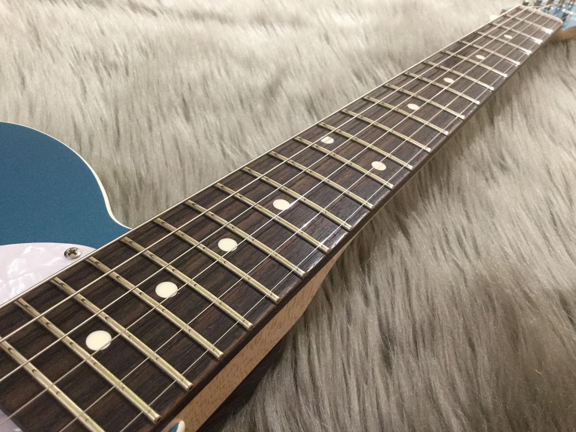 【7本限定】Standard-T / Neon Blue Metallicの指板画像
