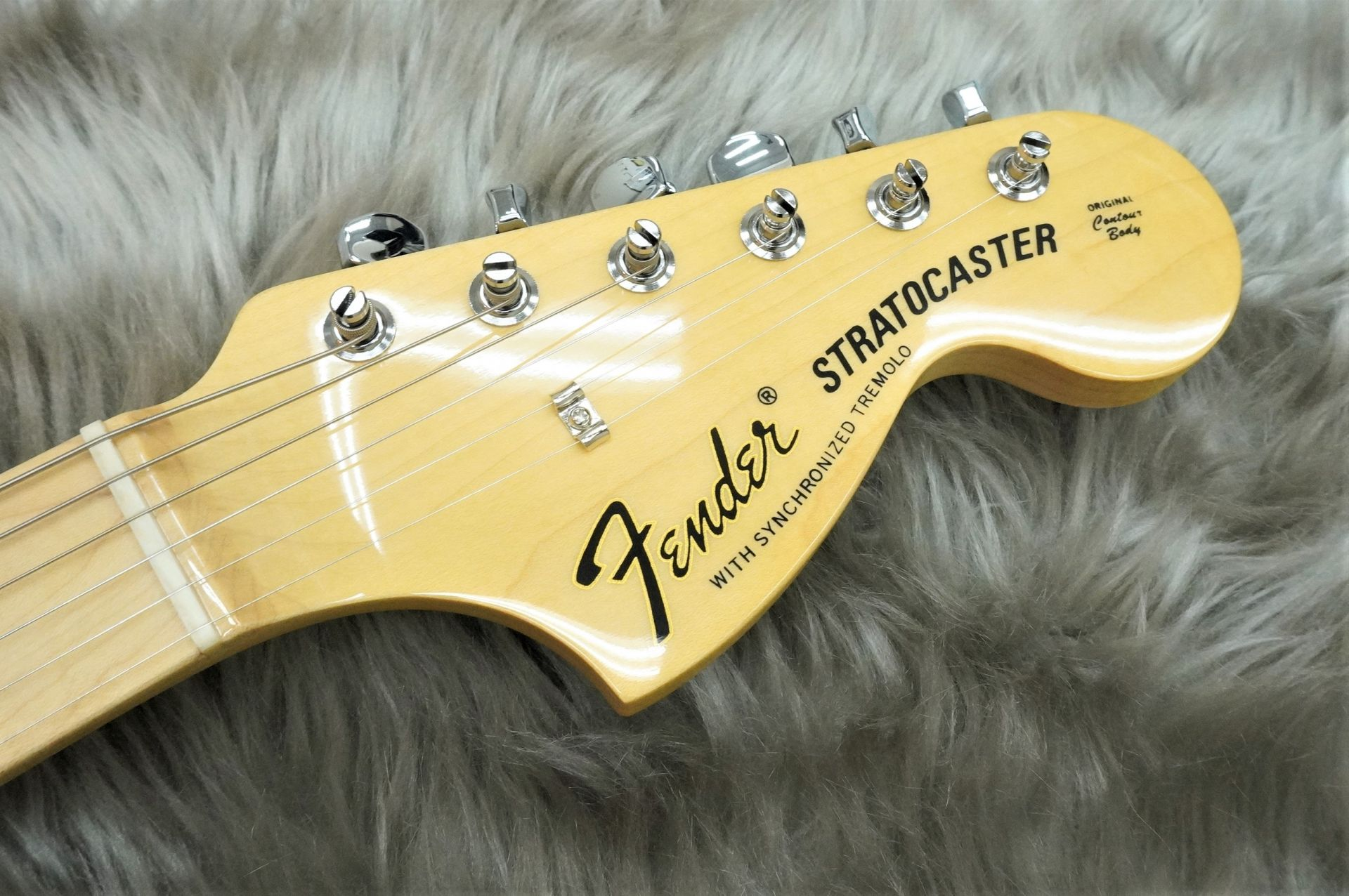 Made In Japan HYBRID 68s STRATのヘッド画像