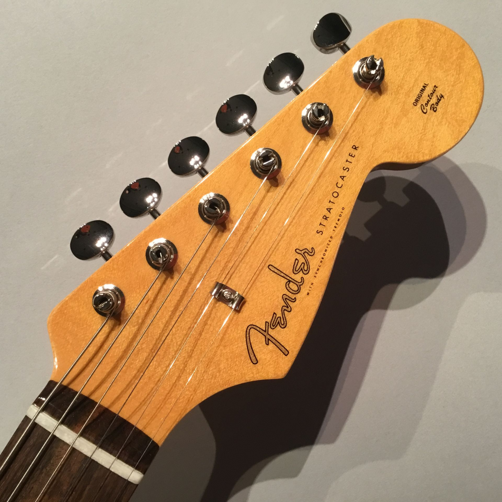 Traditional 60s stratocasterのヘッド画像