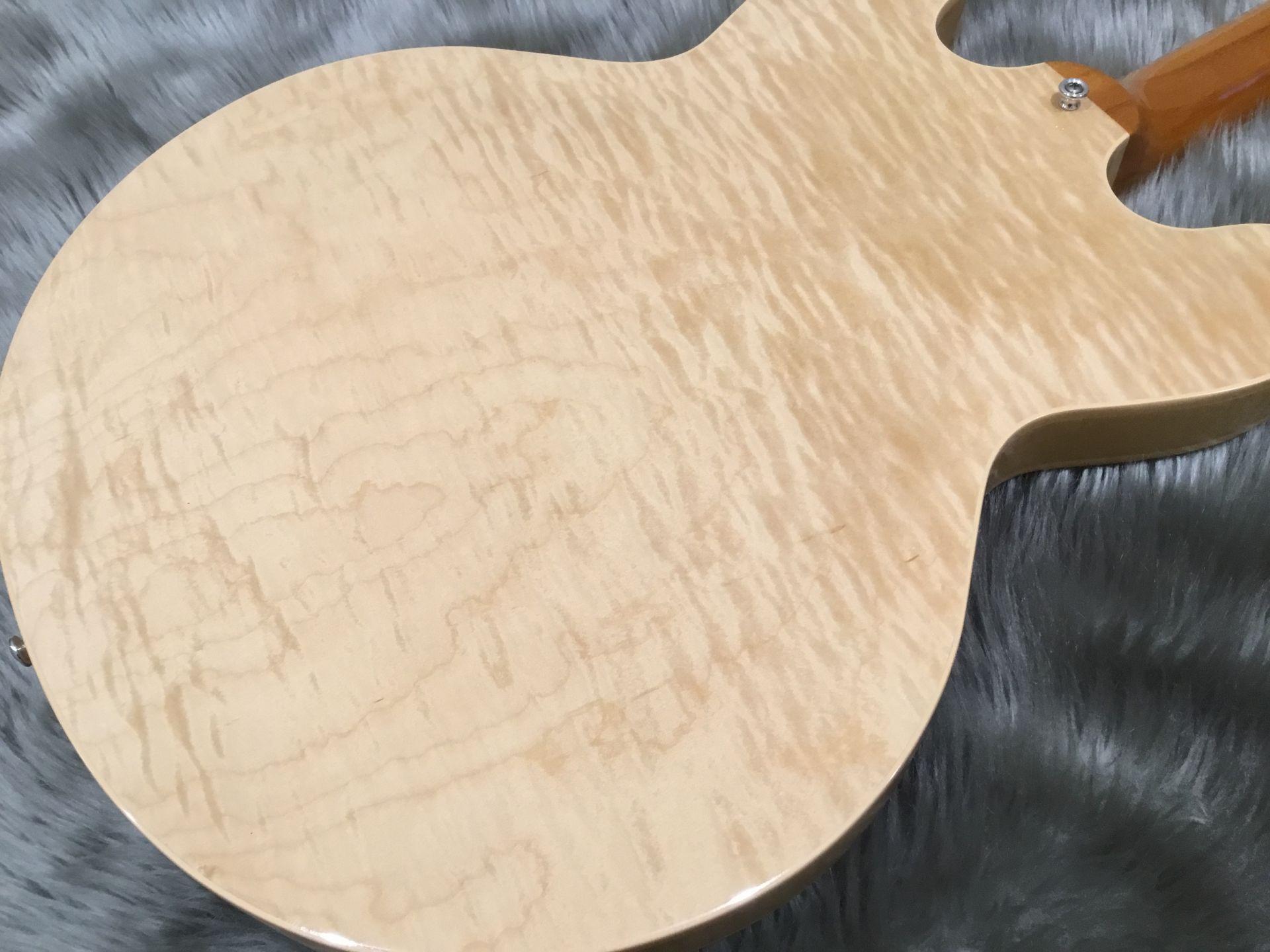 ES-335 Figuredのボディバック-アップ画像