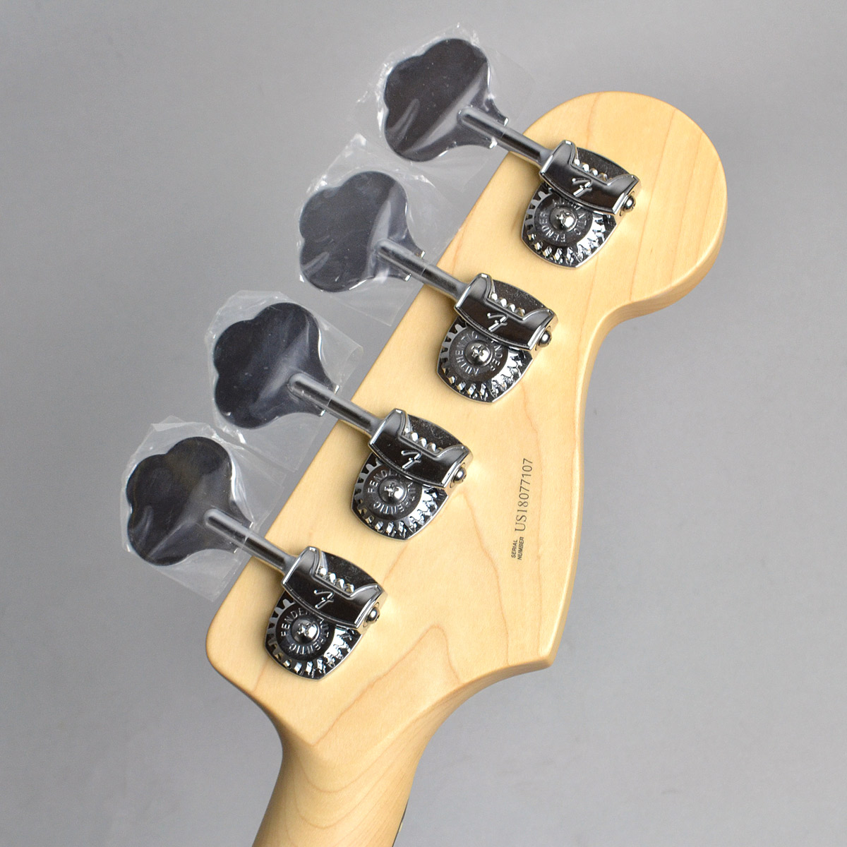 American Professional Jazz Bass Left-Handのヘッド裏-アップ画像