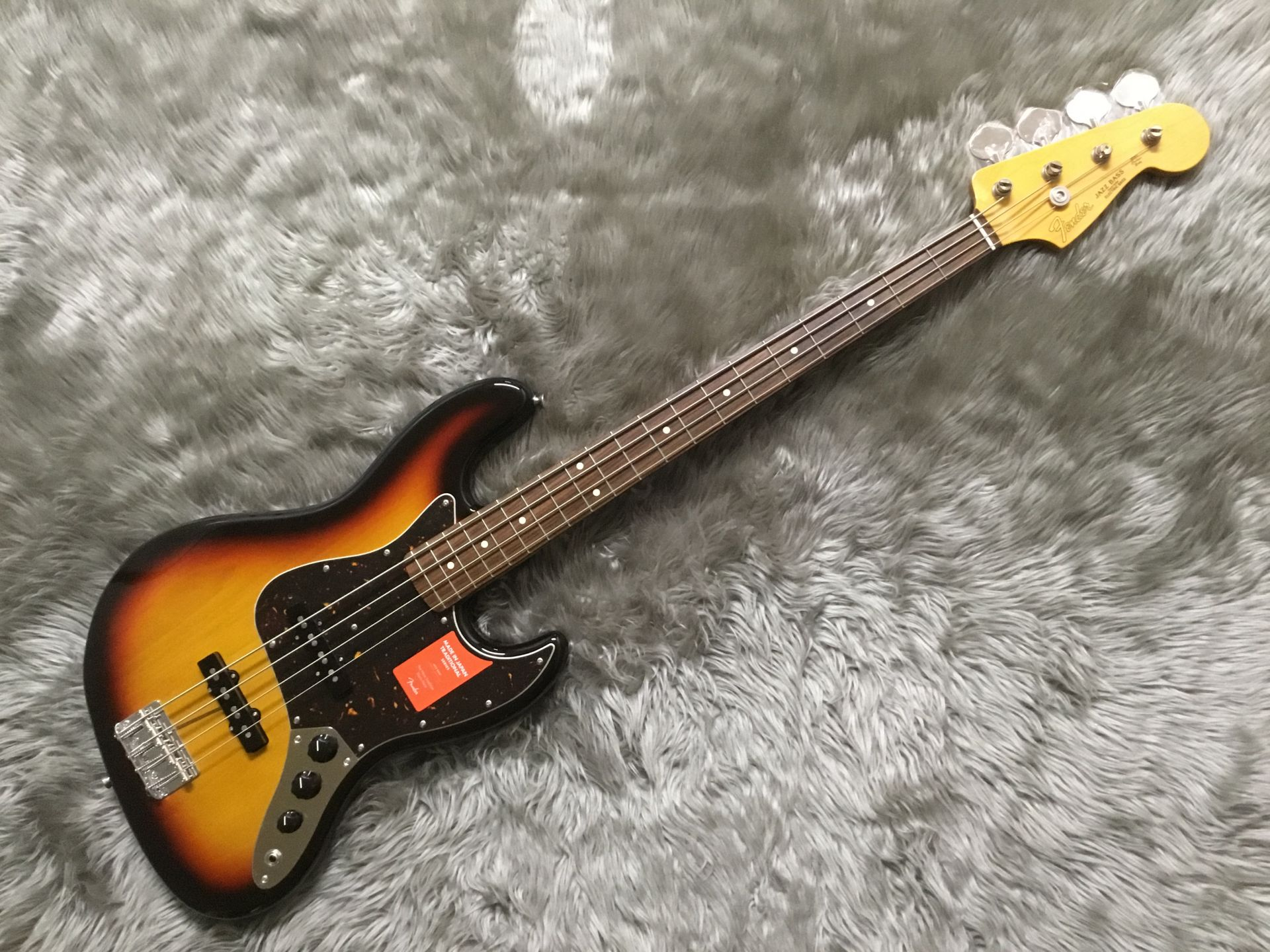 MADE IN JAPAN TRADITIONAL 60S JAZZ BASS®のボディトップ-アップ画像