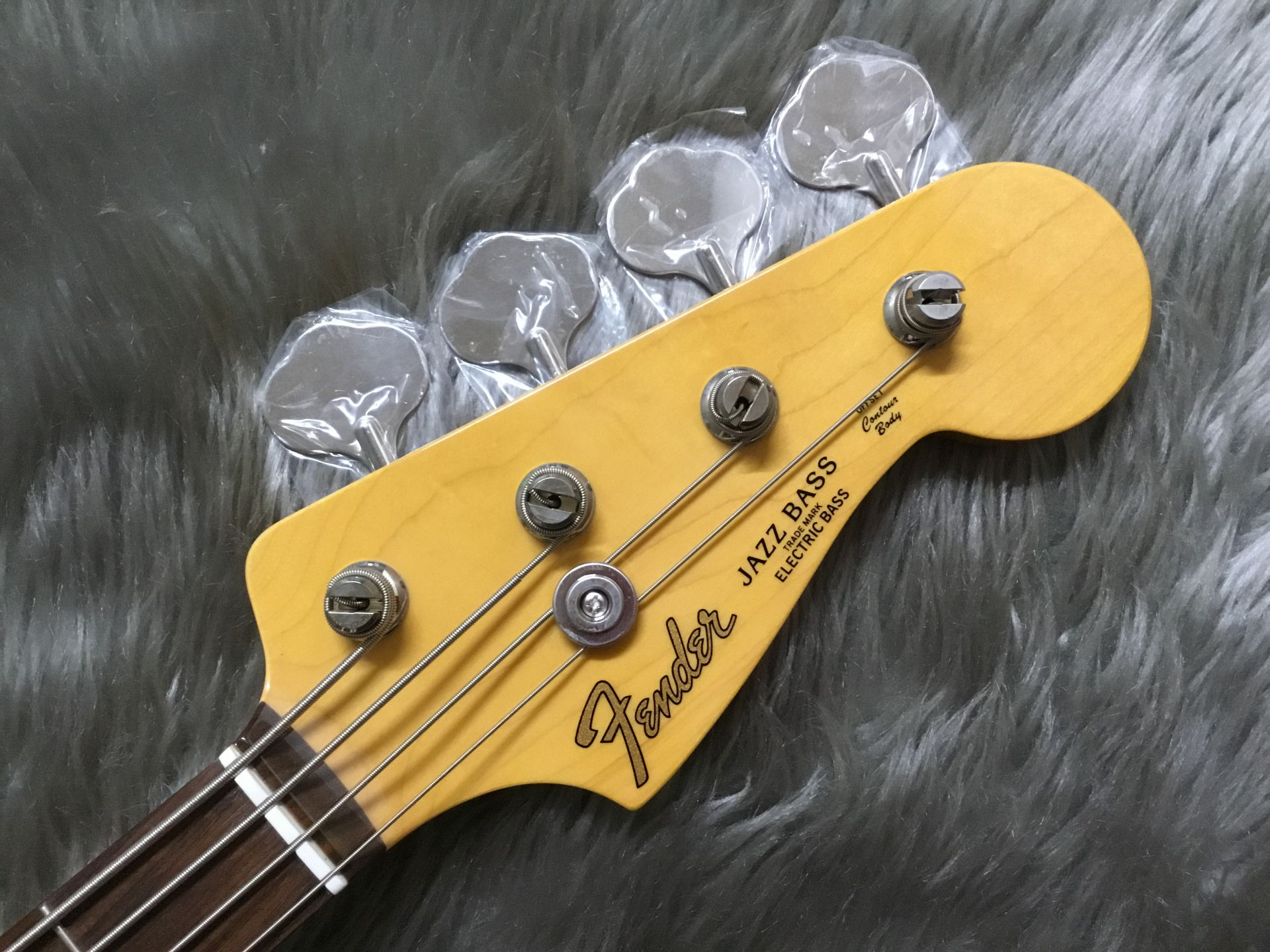 MADE IN JAPAN TRADITIONAL 60S JAZZ BASS®のヘッド画像