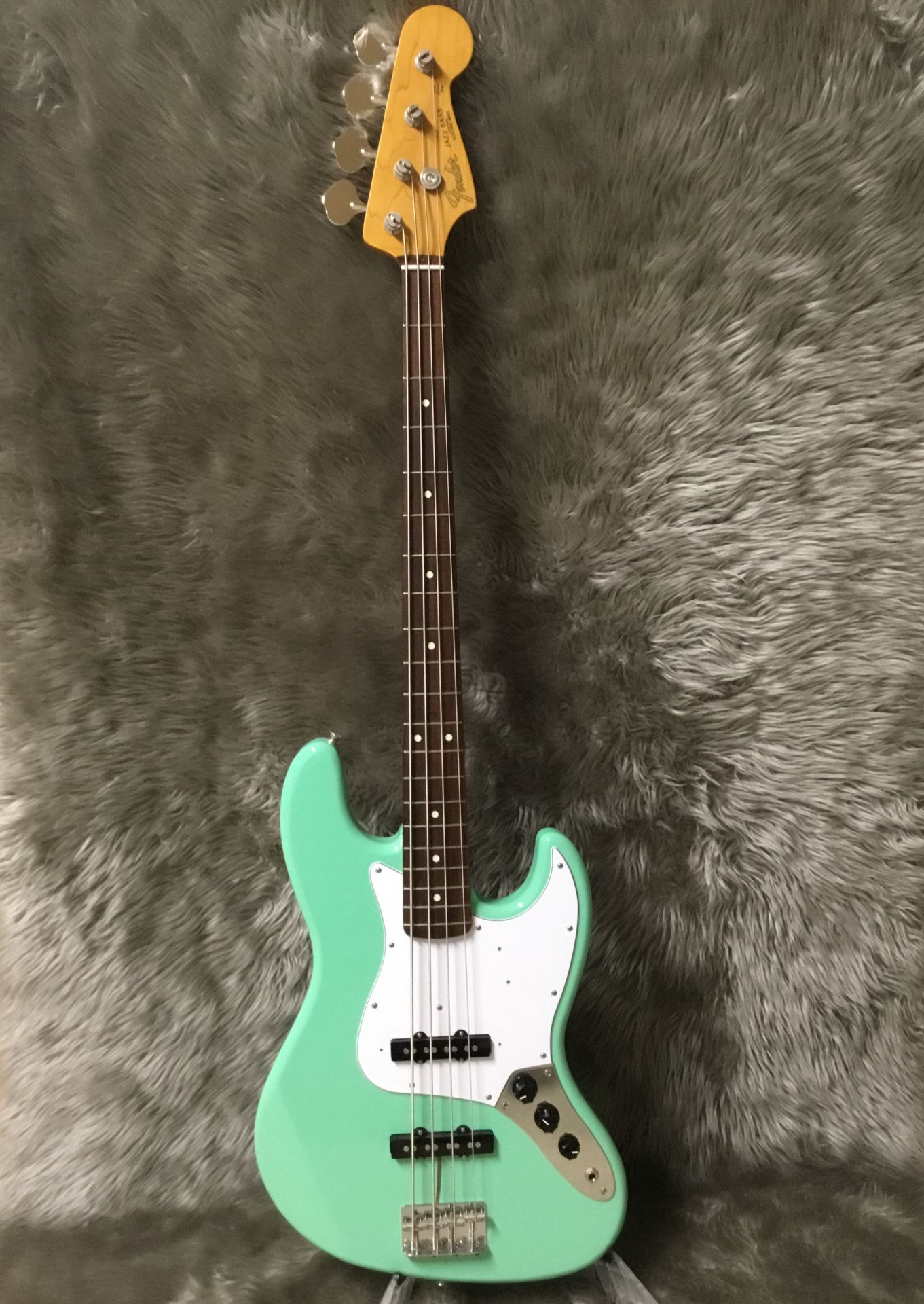 MADE IN JAPAN TRADITIONAL 60S JAZZ BASS®SFGの全体画像(縦)
