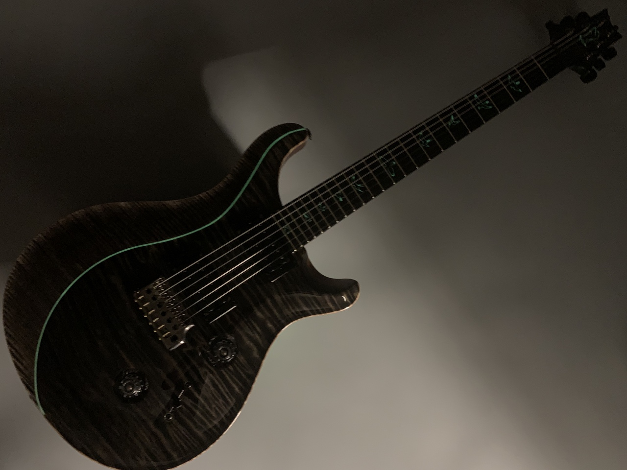 Private Stock #7660 Custom24 Quilted and Curly Maple Top w/ Luminlays Purfling【プレイ動画有り】のボディバック-アップ画像