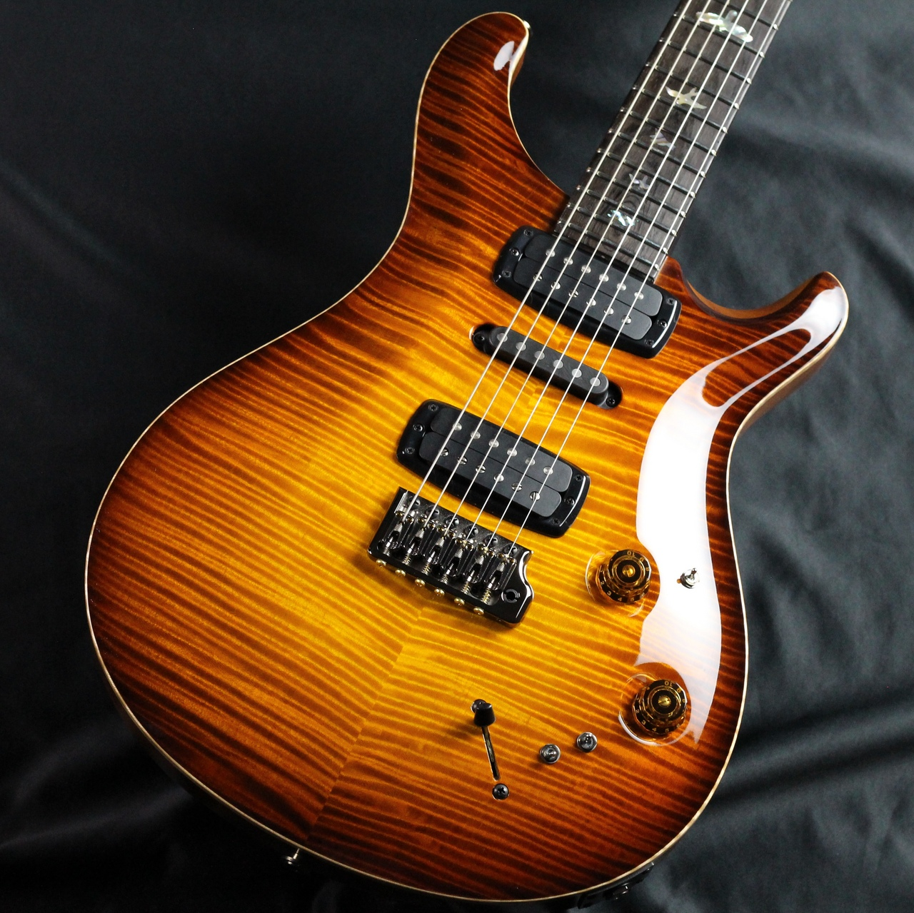 Private Stock Modern Eagle V Limited/McCarty Glowのボディバック-アップ画像