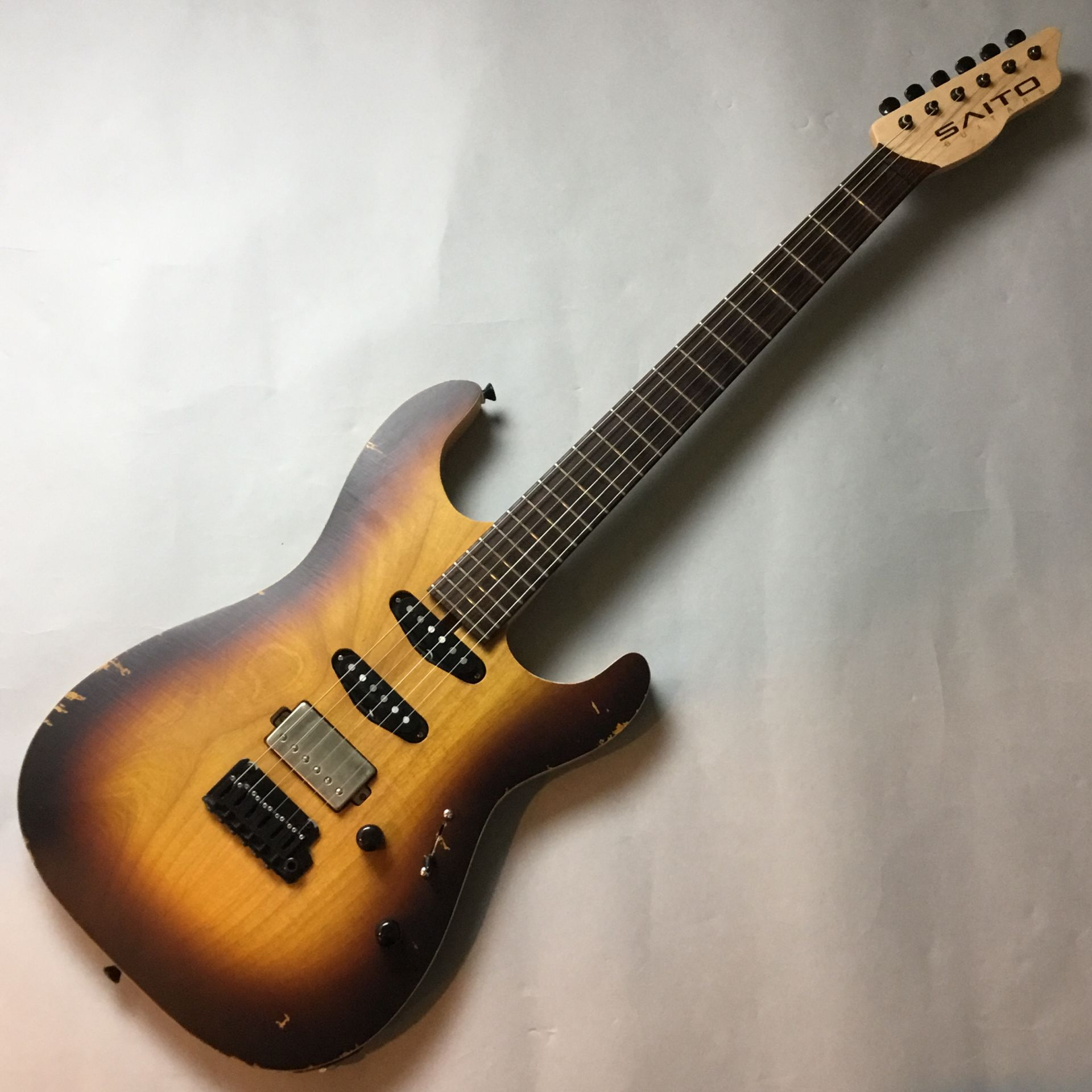 Saito Guitars S-622 写真画像