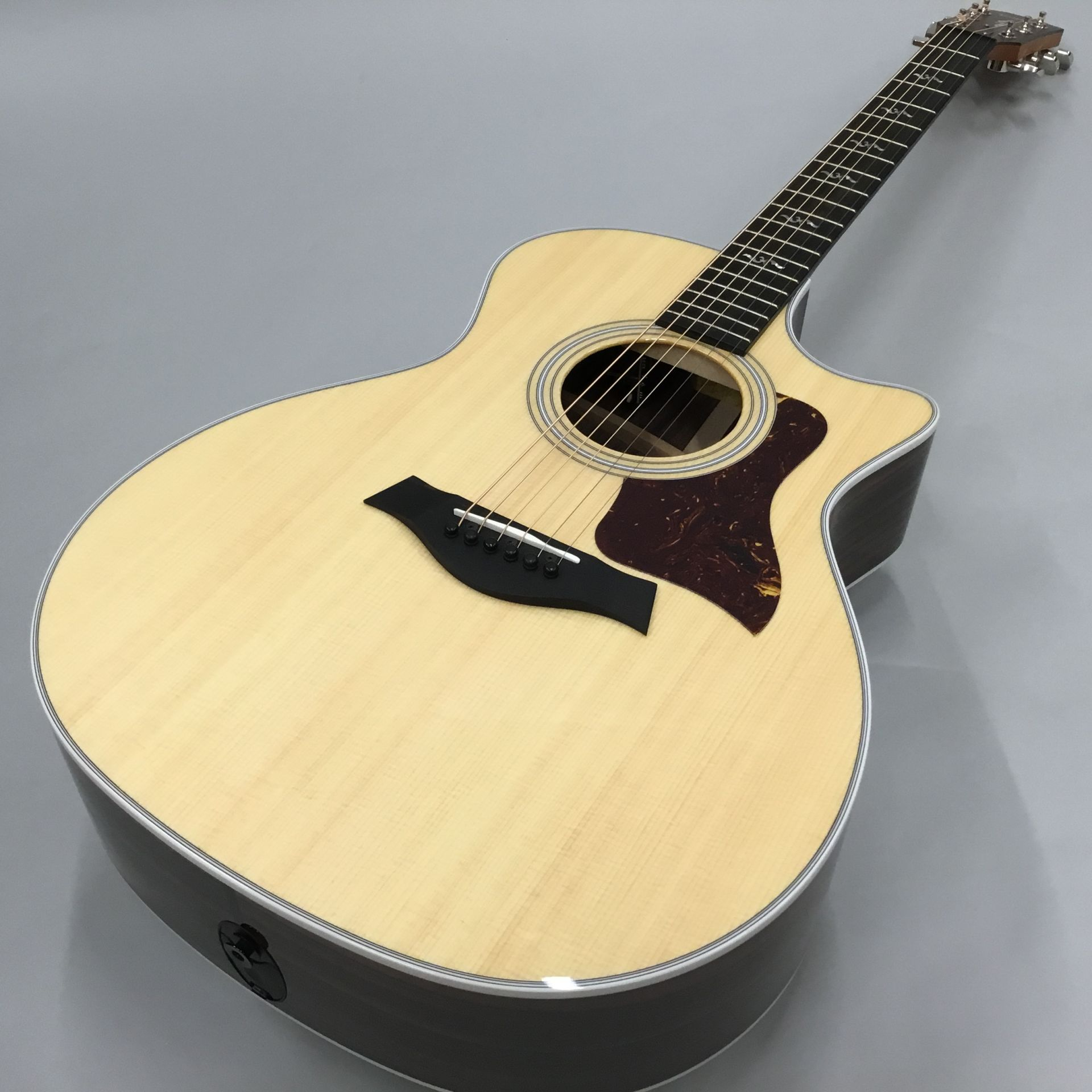 414ce Rosewood V-Classのボディトップ-アップ画像