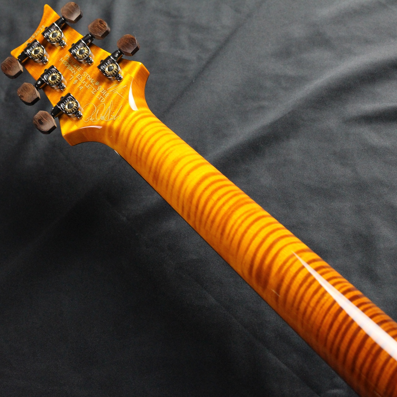 Private Stock Modern Eagle V Limited/McCarty Glowのヘッド裏-アップ画像