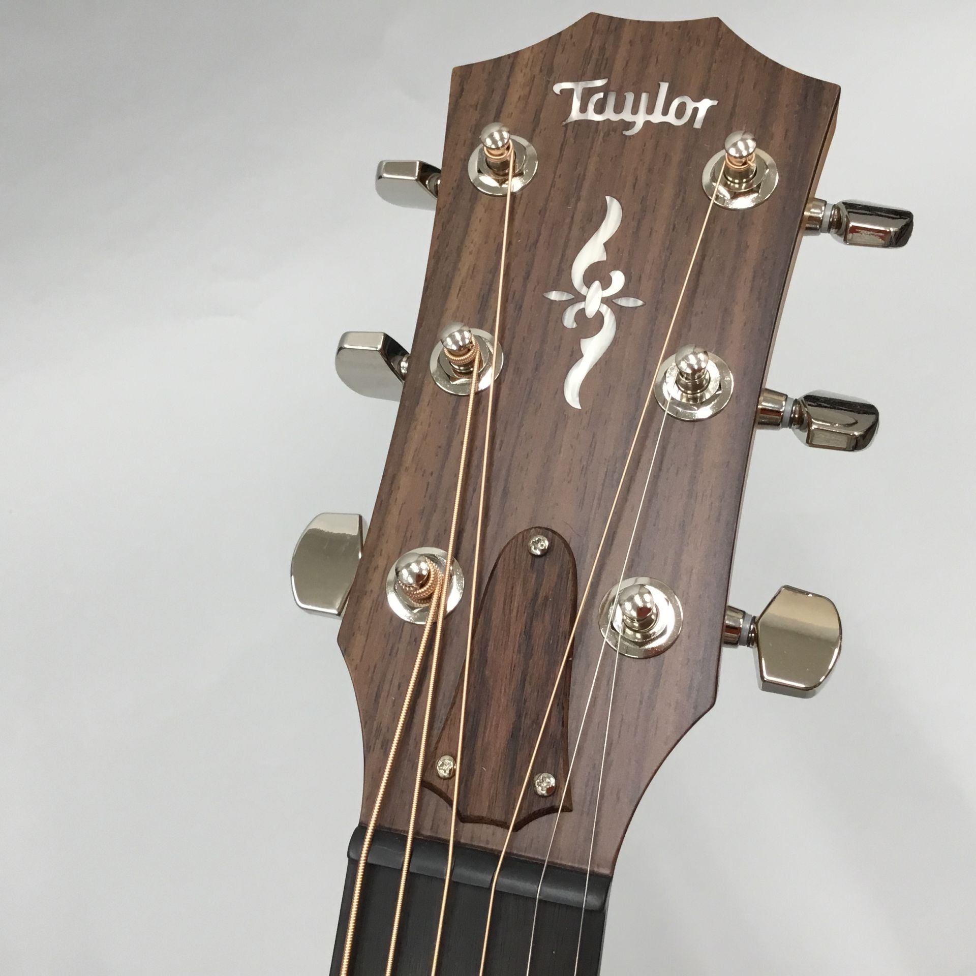 414ce Rosewood V-Classのヘッド画像
