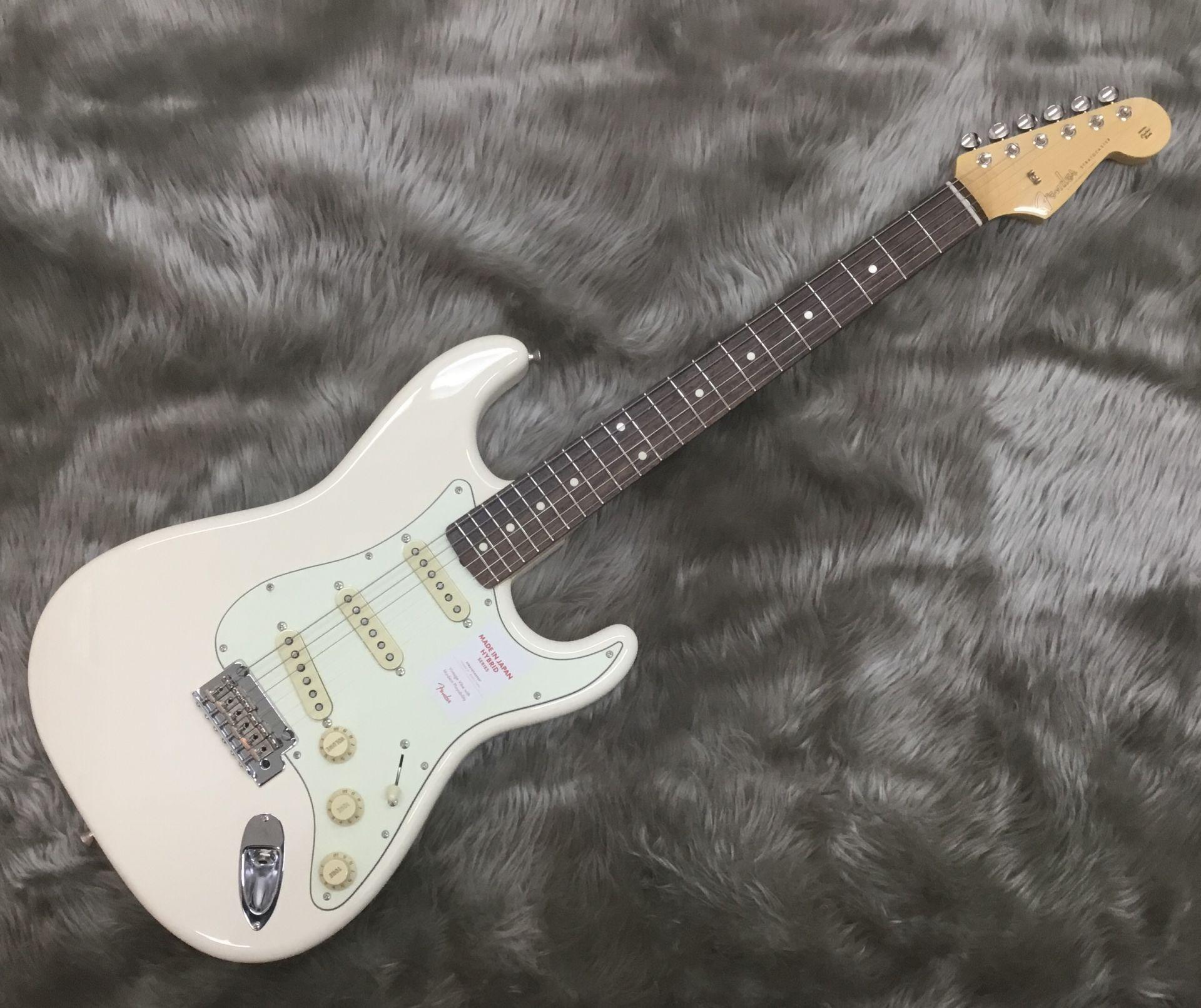Fender  Hybrid 60s Stratocaster Vintage White 写真画像