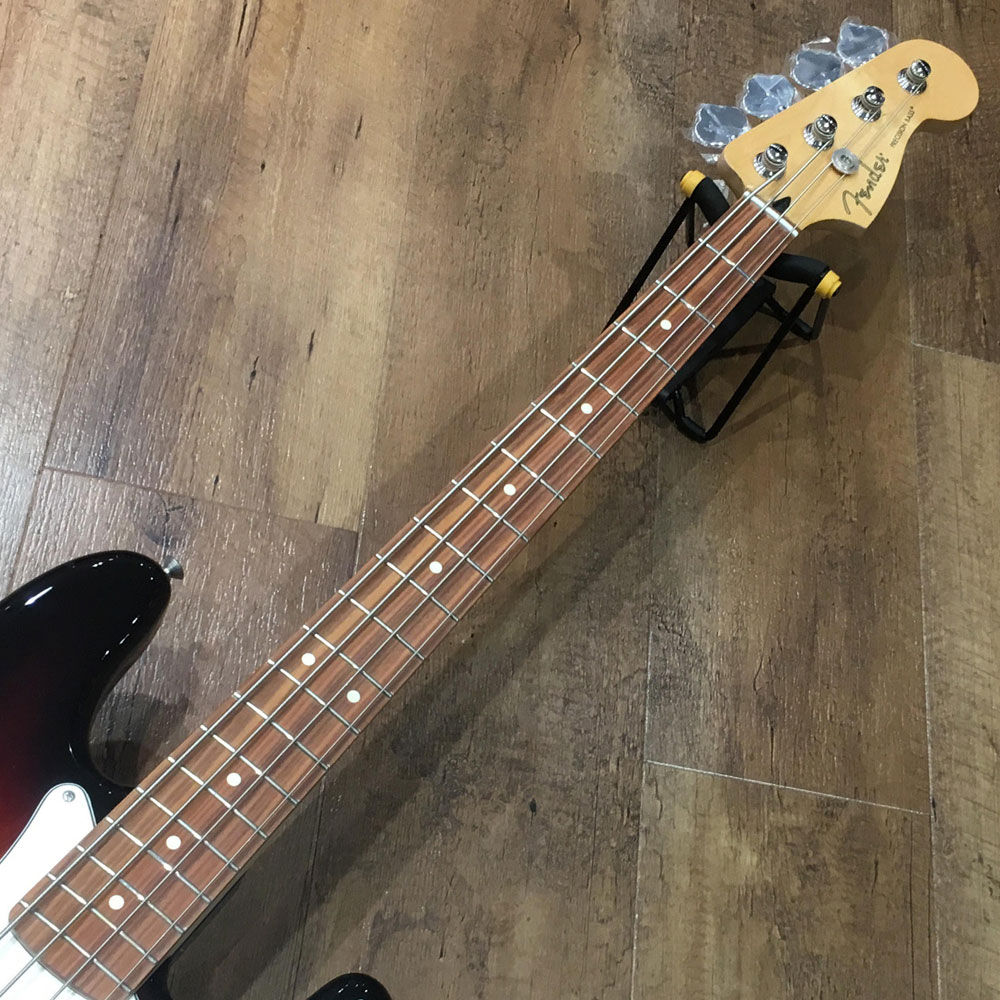 PLAYER PRECISION BASS/Pau Ferro/3-Color Sunburstのヘッド画像