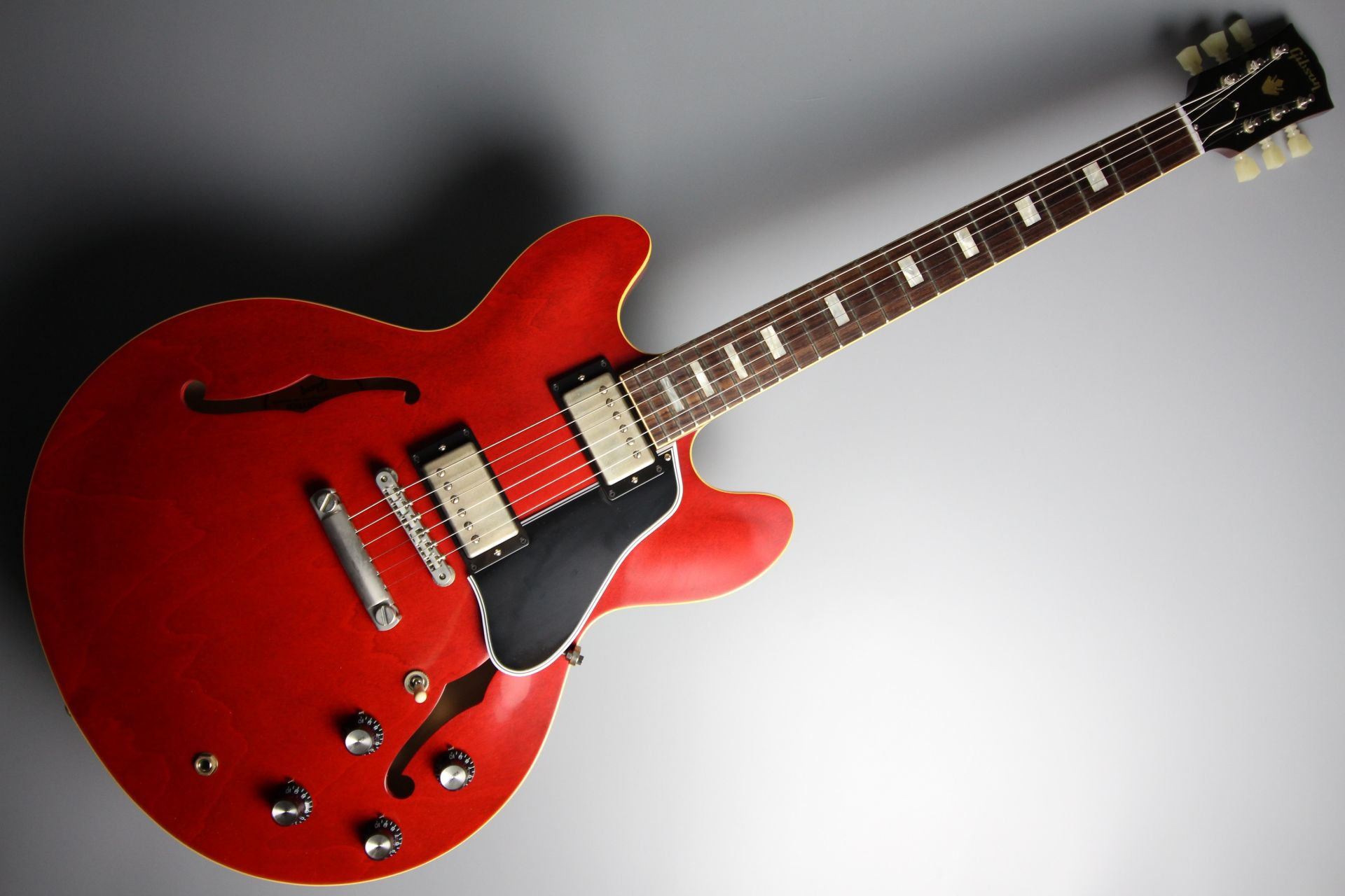 Limited Run 1963 ES-335 TDC VOS Sixties Cherryのボディトップ-アップ画像