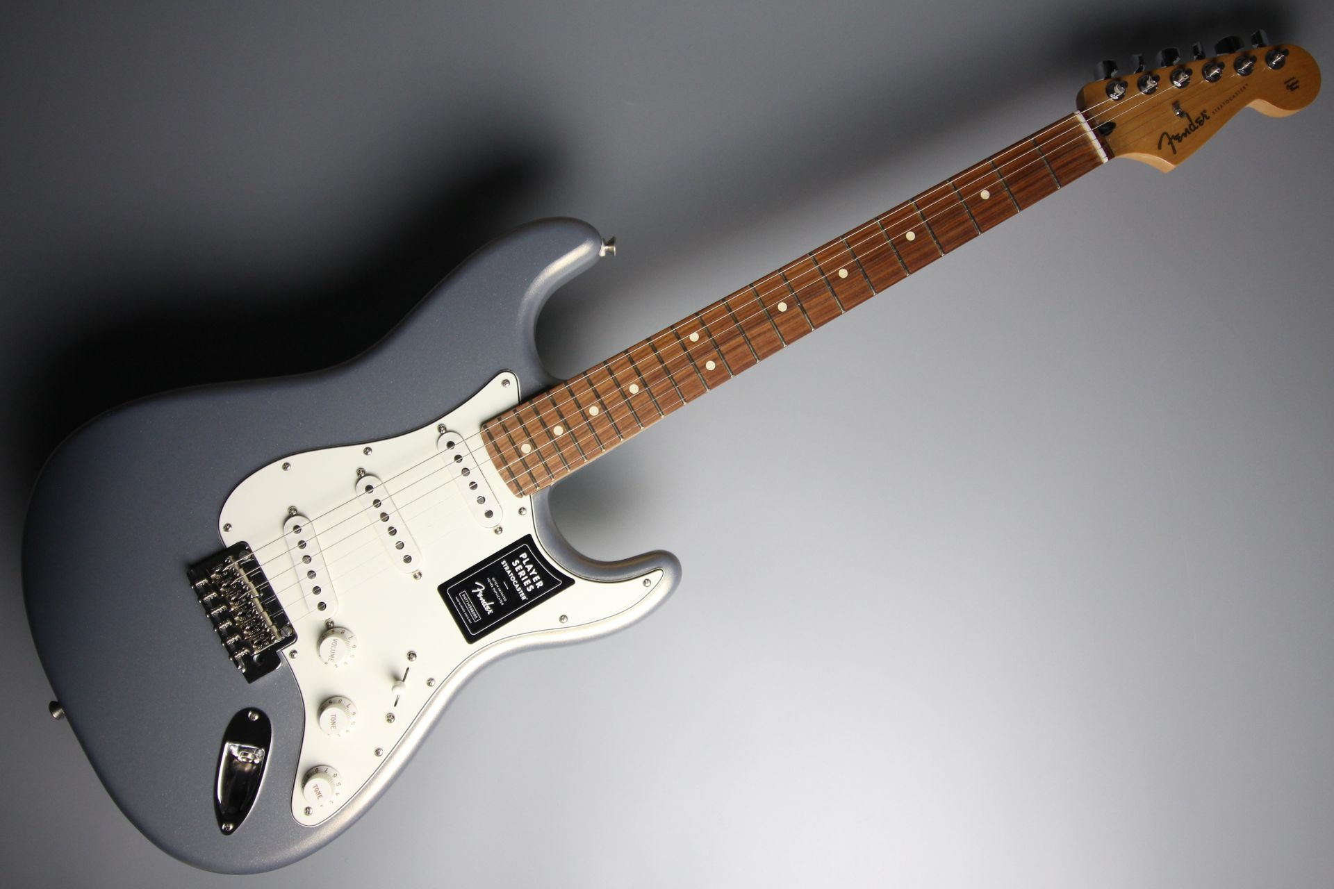 Player Stratocaster Silverのボディトップ-アップ画像