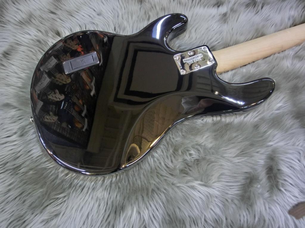 【アウトレット品!】StingRay 4 Black Mapleのボディバック-アップ画像