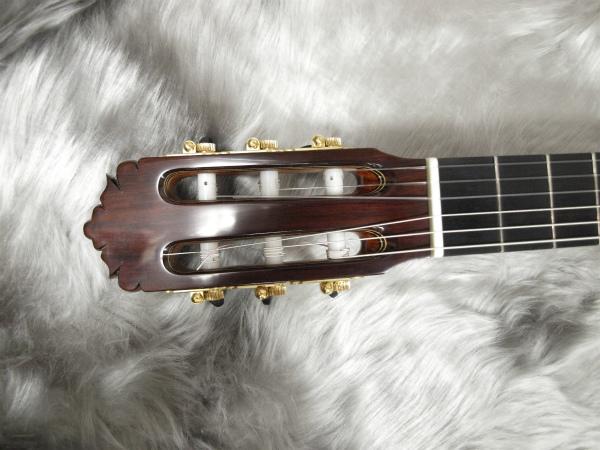 Jin Oki Negra/マダガスカル(沖仁モデル フラメンコギター)のヘッド画像