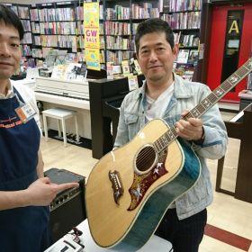 広島パルコ店ギター調整会のようす
