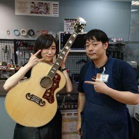 シンガーソングライターCO2さんと記念撮影