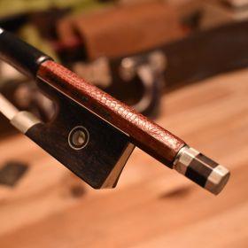 ヴァイオリン弓の革貼り